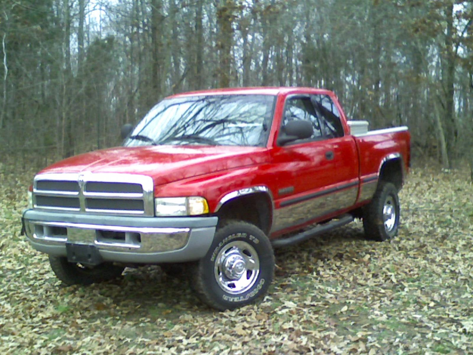 1999 Dodge Ram Pickup 2500 Information and photos ZombieDrive