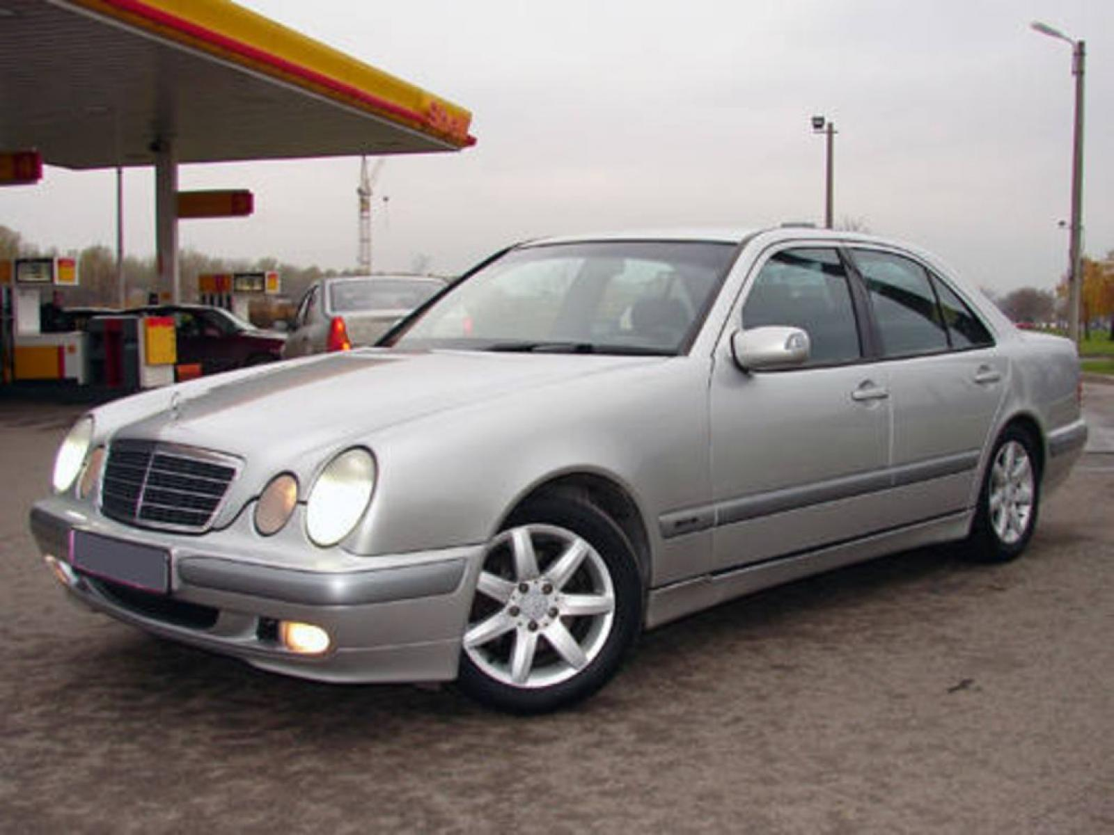1999 mercedes benz e class information and photos zombiedrive. Black Bedroom Furniture Sets. Home Design Ideas