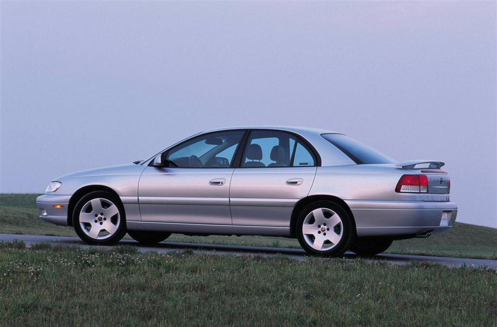 2000 Cadillac Catera - Information and photos - ZombieDrive