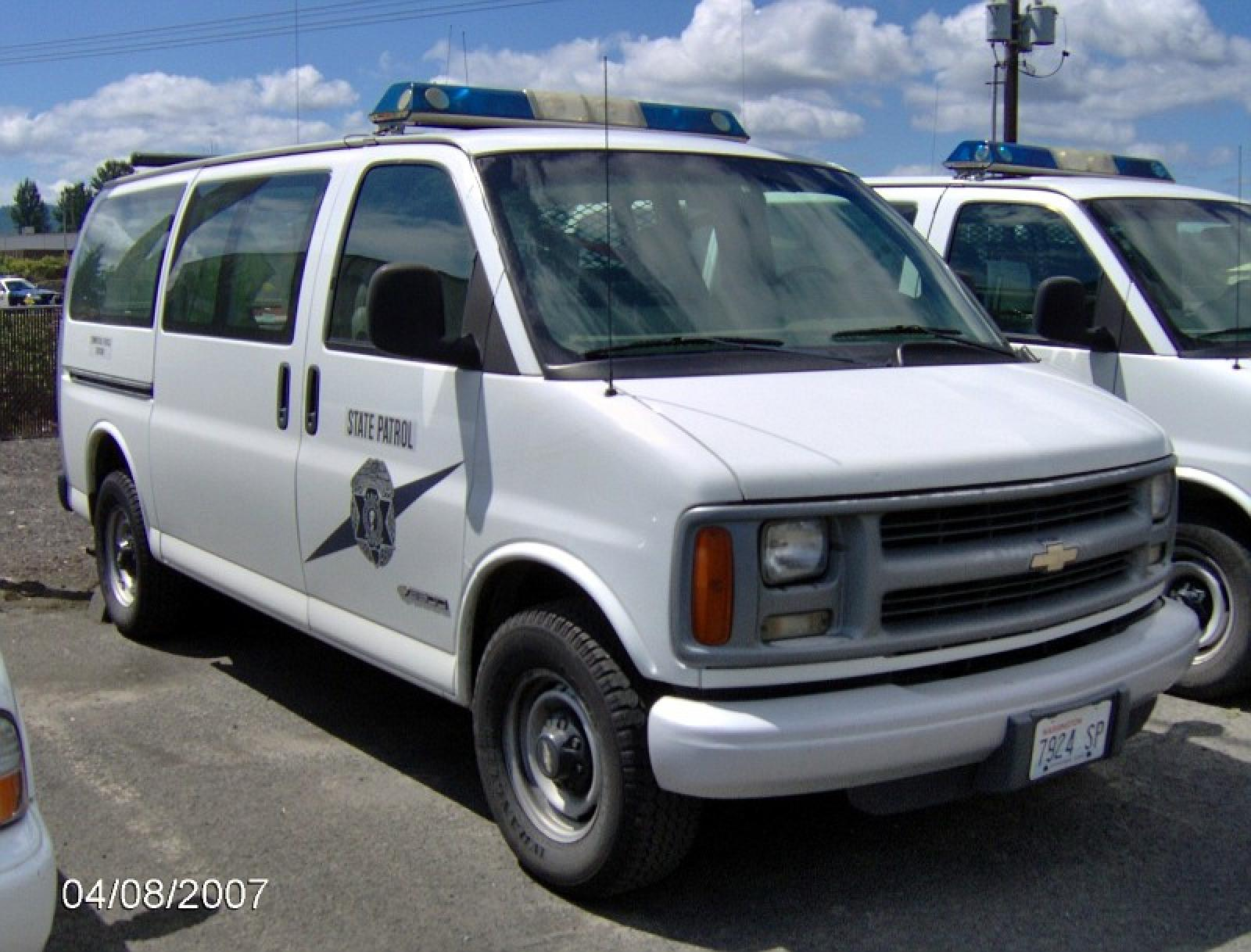 2000 Chevrolet Express - Information and photos - ZombieDrive