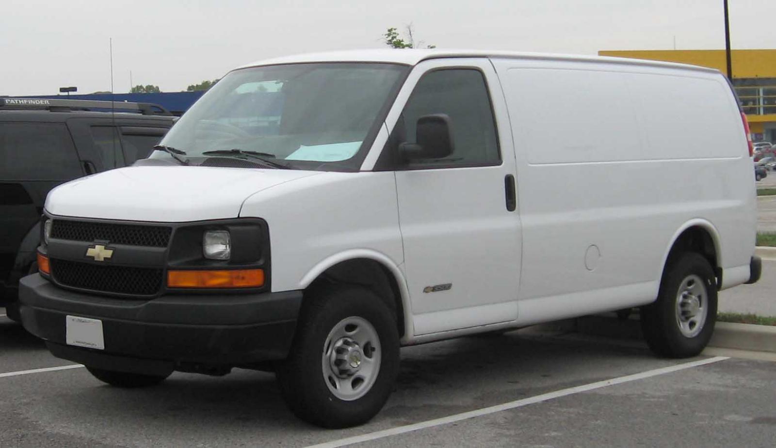 2000 Chevrolet Express Cargo #13