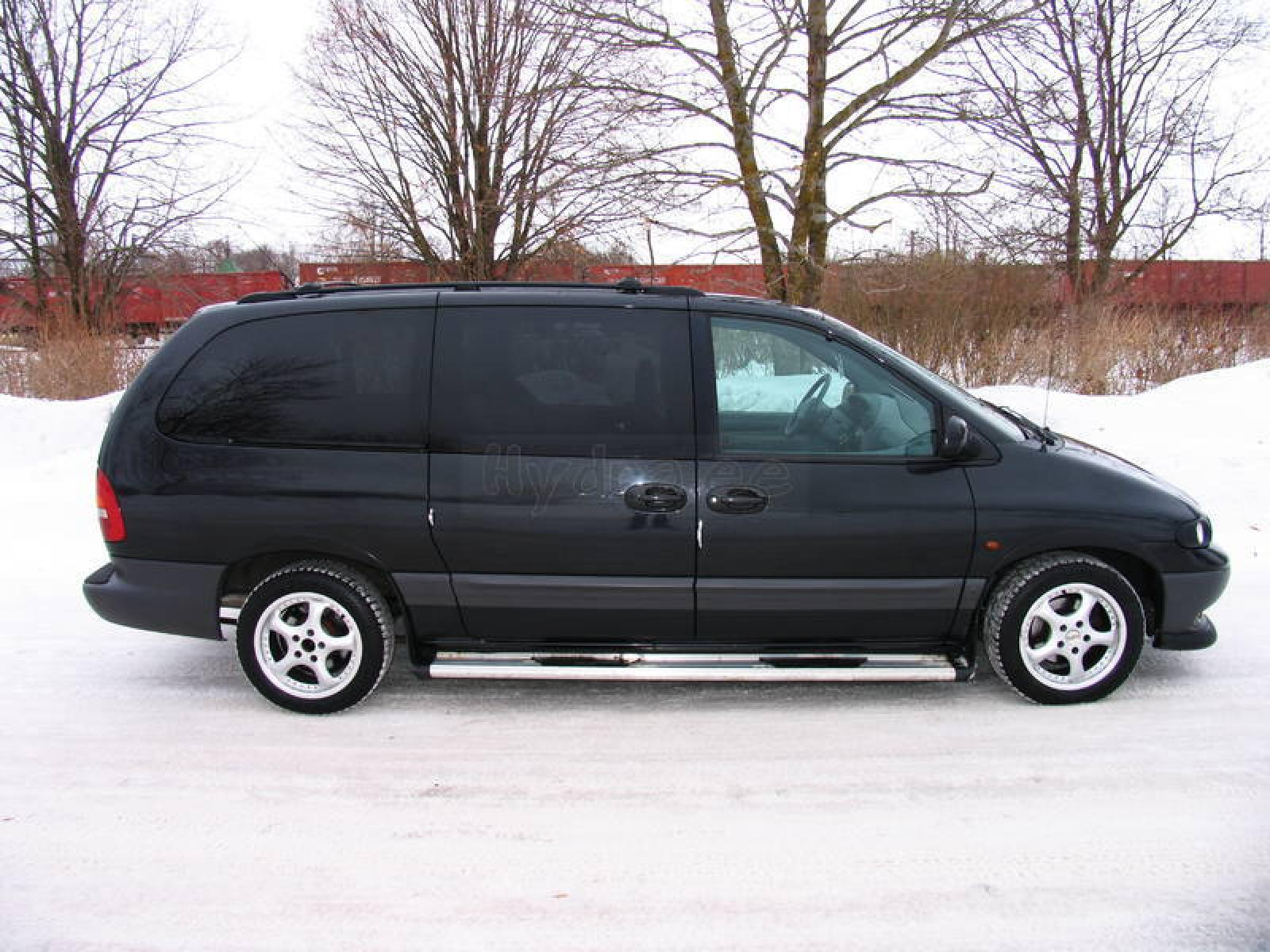2000 Chrysler Grand Voyager Information And Photos