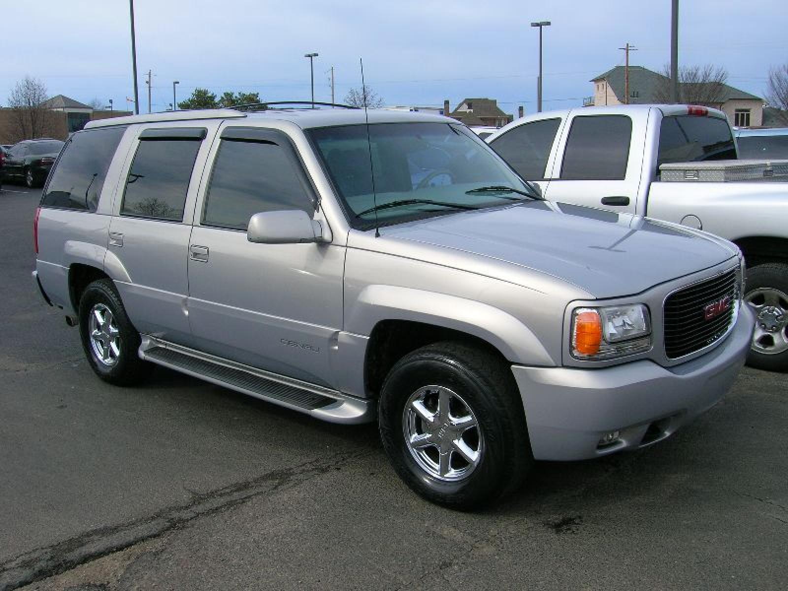 2000 gmc yukon information and photos zombiedrive. Black Bedroom Furniture Sets. Home Design Ideas