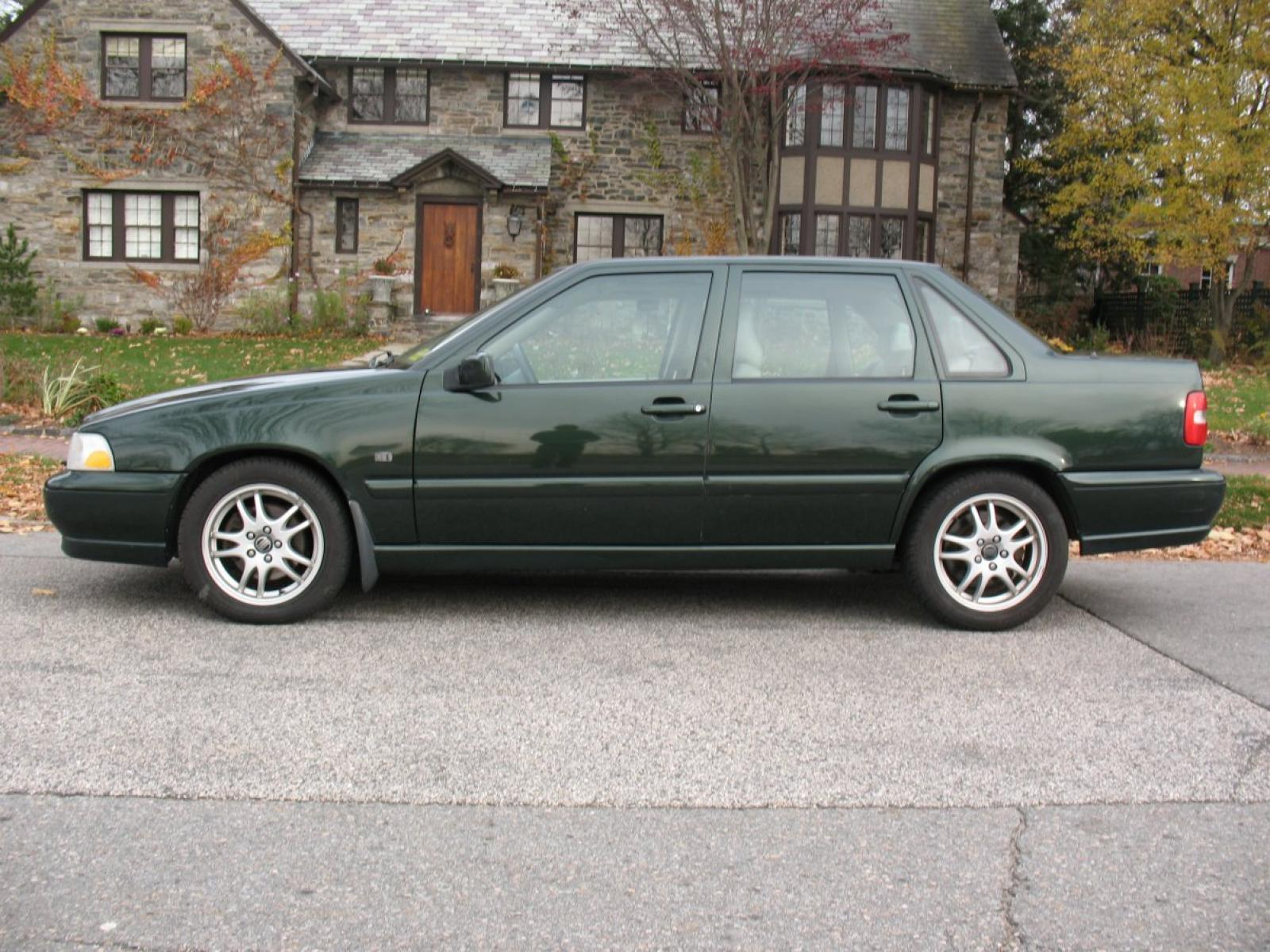 2000 Volvo S70 - Information and photos - ZombieDrive