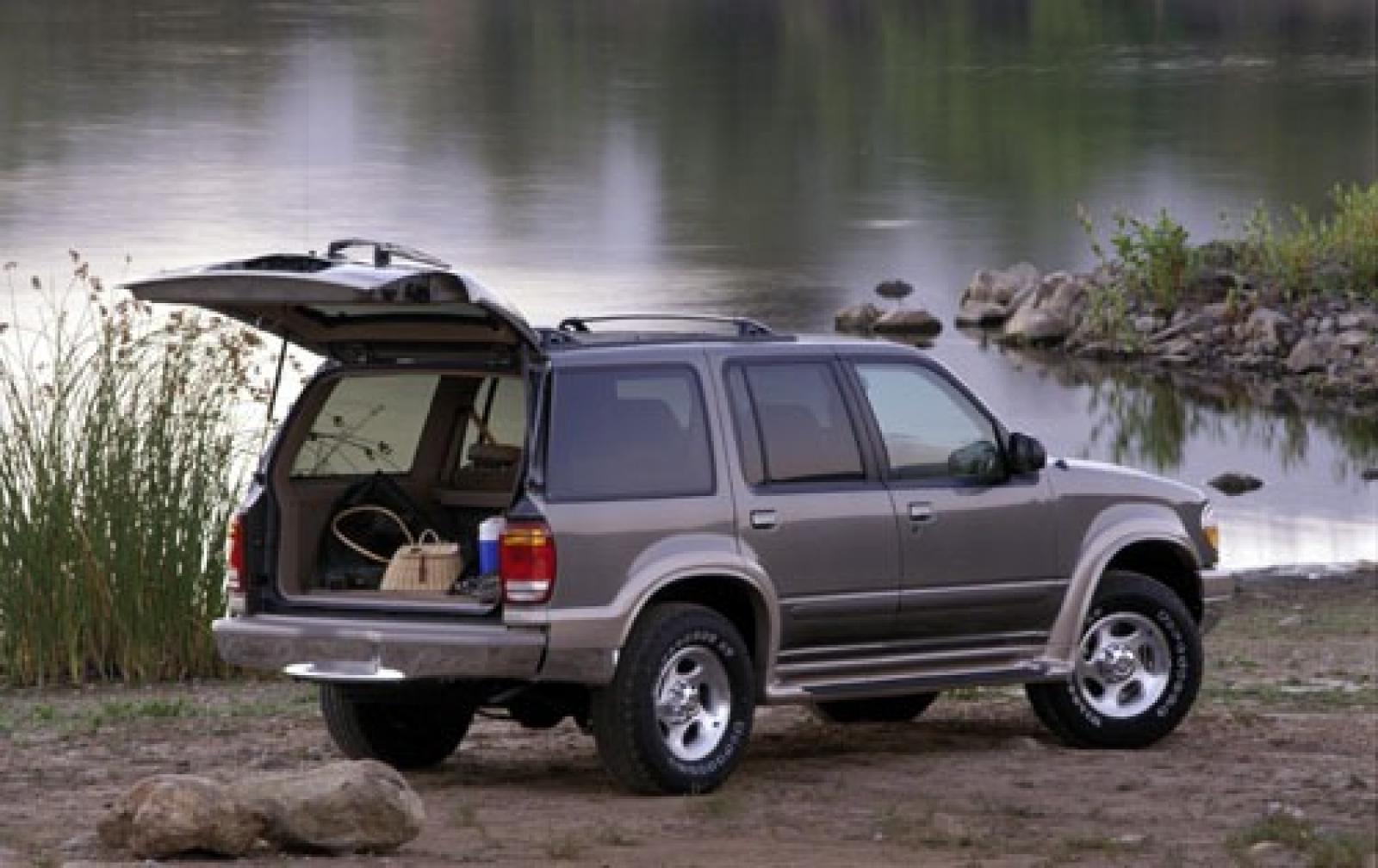 2000 ford explorer information and photos zombiedrive. Black Bedroom Furniture Sets. Home Design Ideas