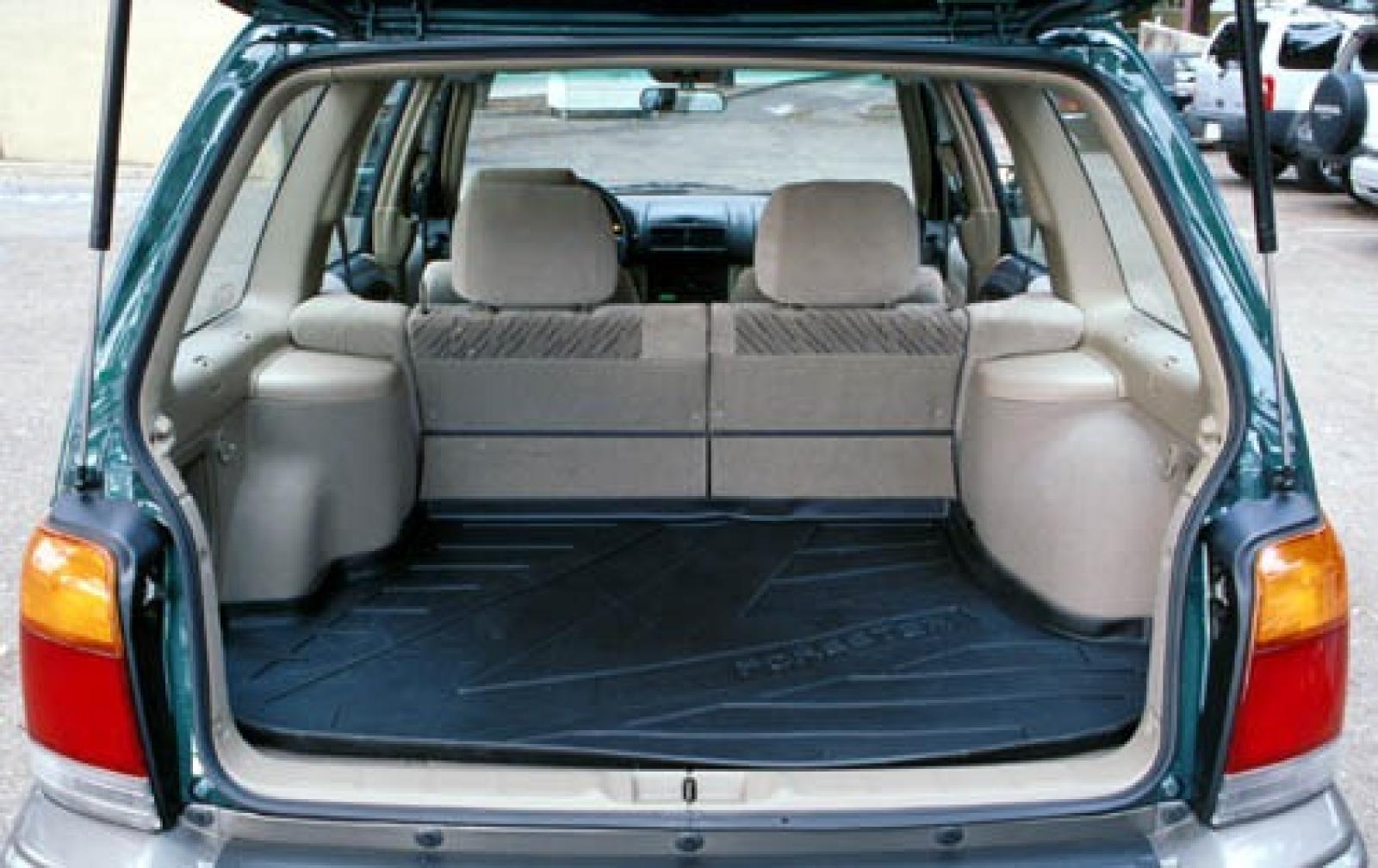 subaru forester cargo space dimensions auto express. Black Bedroom Furniture Sets. Home Design Ideas