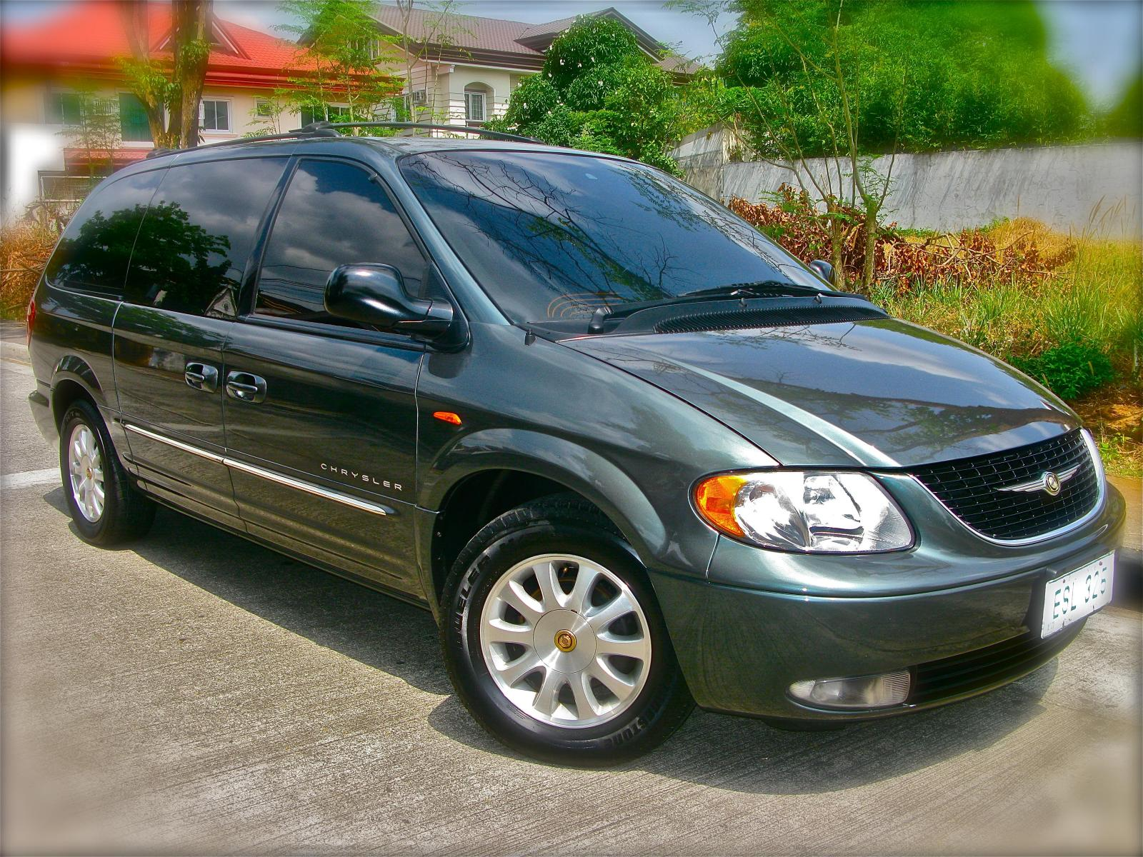 2001 chrysler town and country information and photos zombiedrive. Black Bedroom Furniture Sets. Home Design Ideas