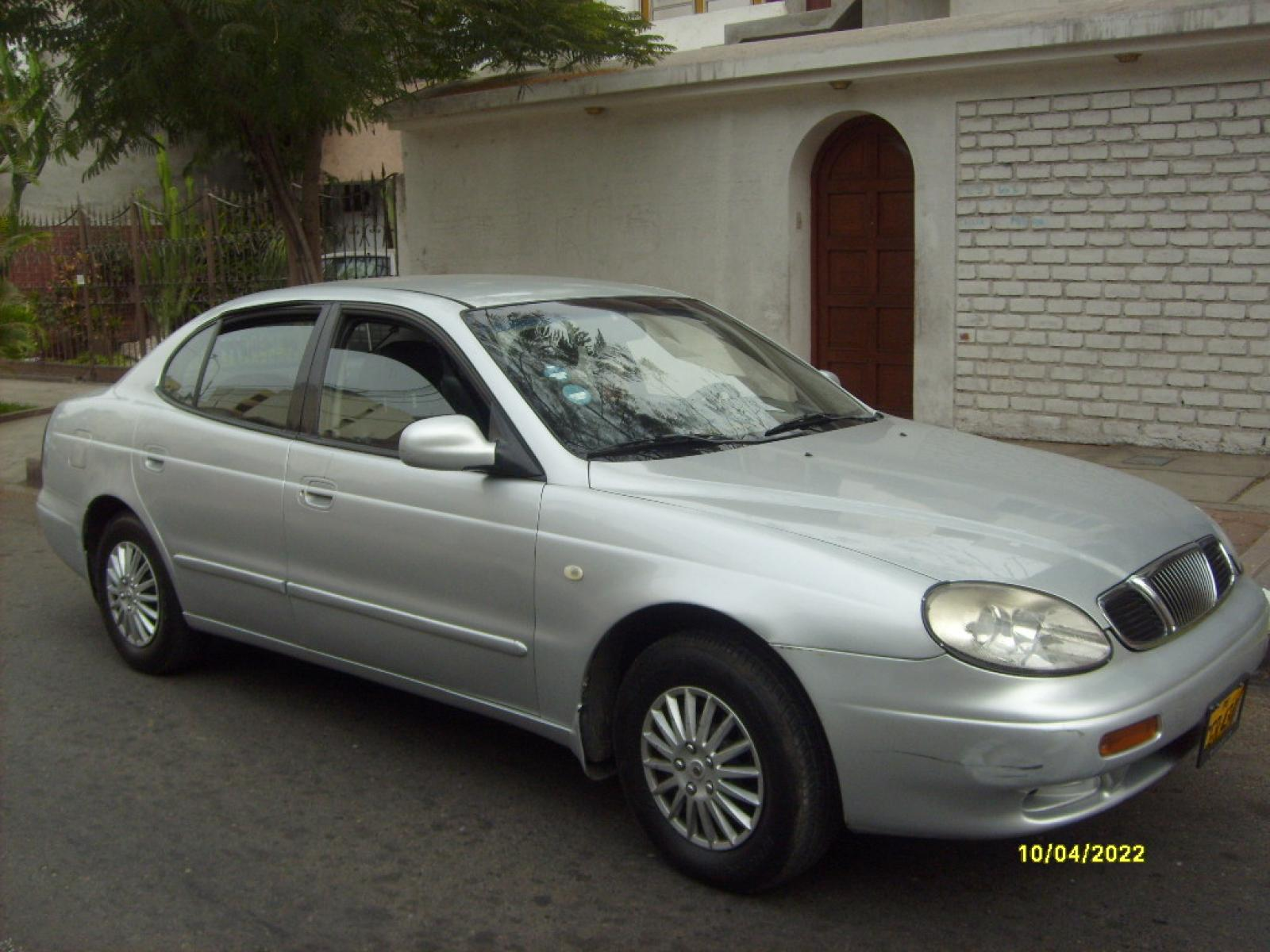 2001 Daewoo Leganza Information and photos ZombieDrive