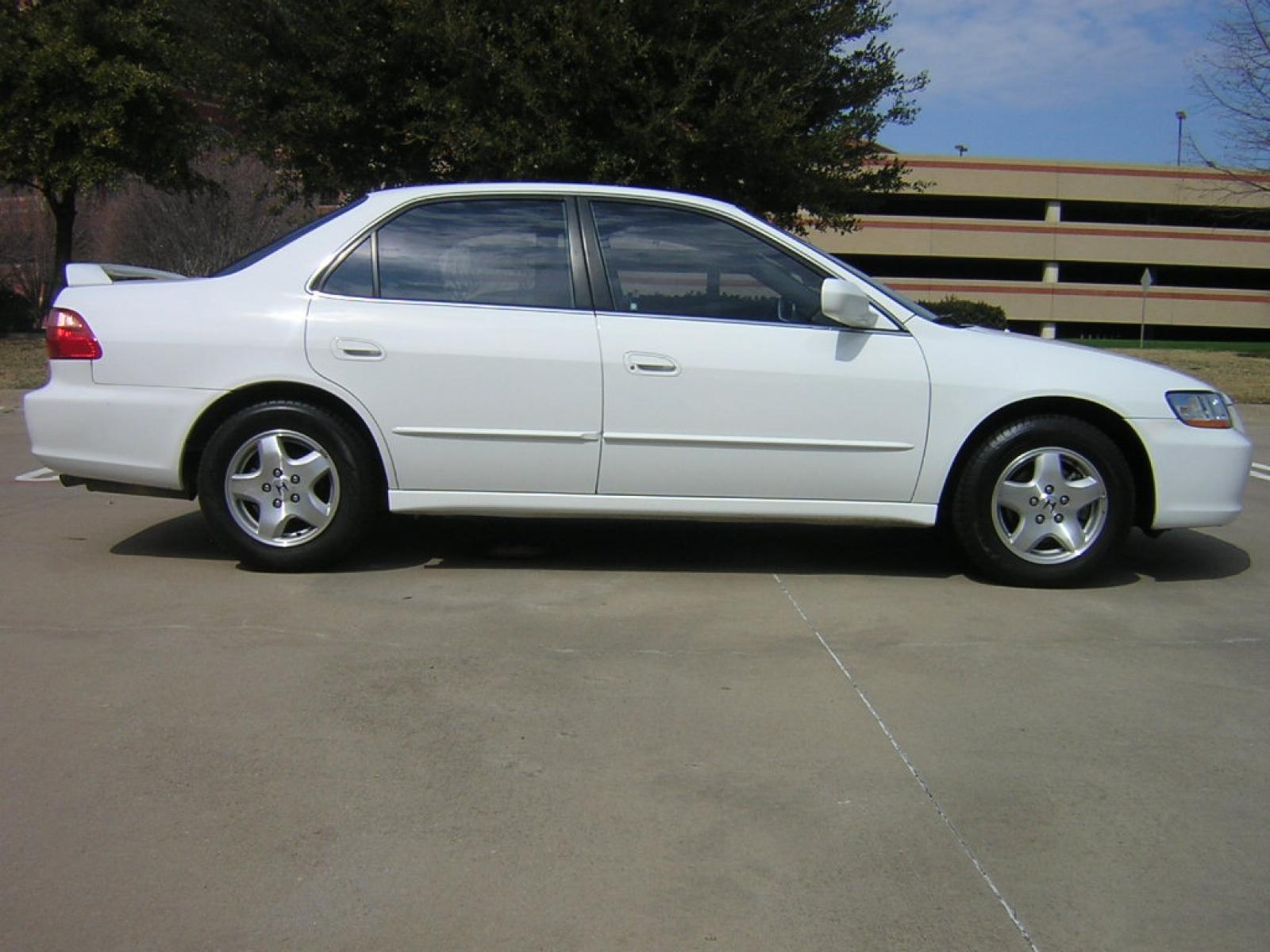 2001 Honda Accord Information and photos ZombieDrive