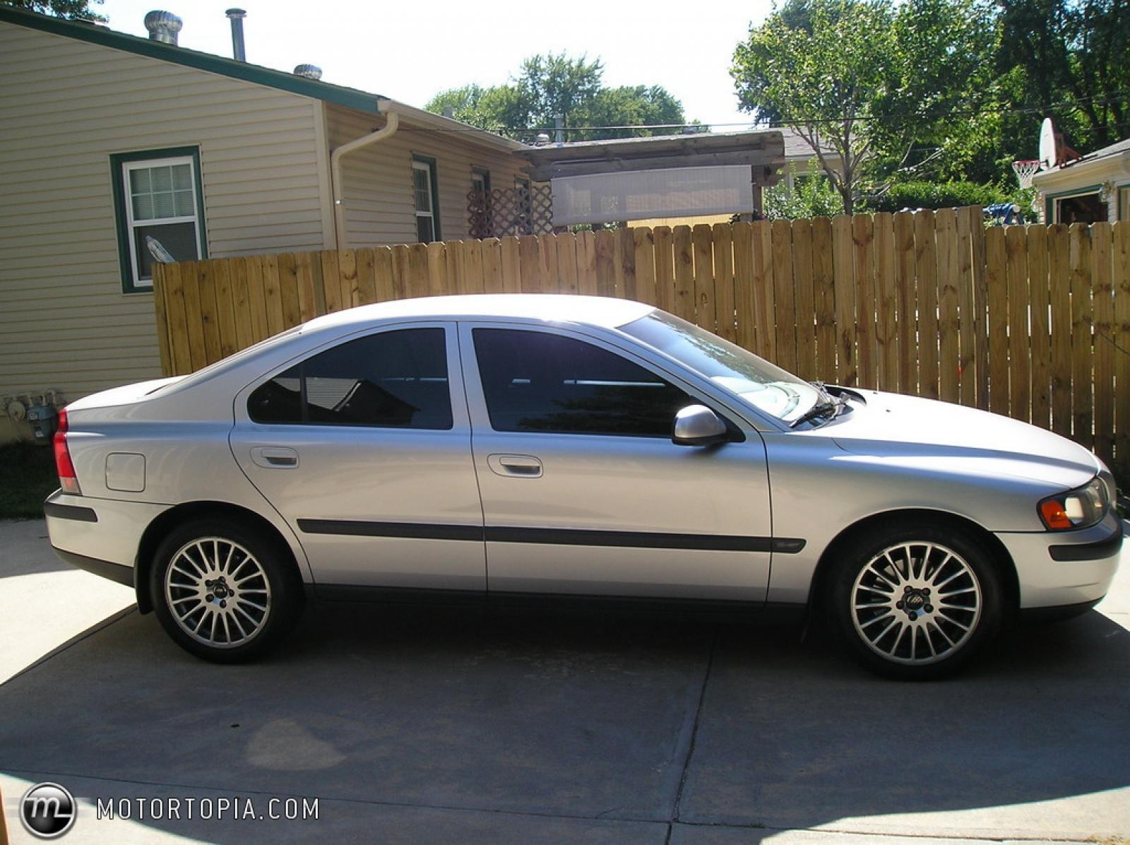 2001 Volvo S60 - Information and photos - ZombieDrive