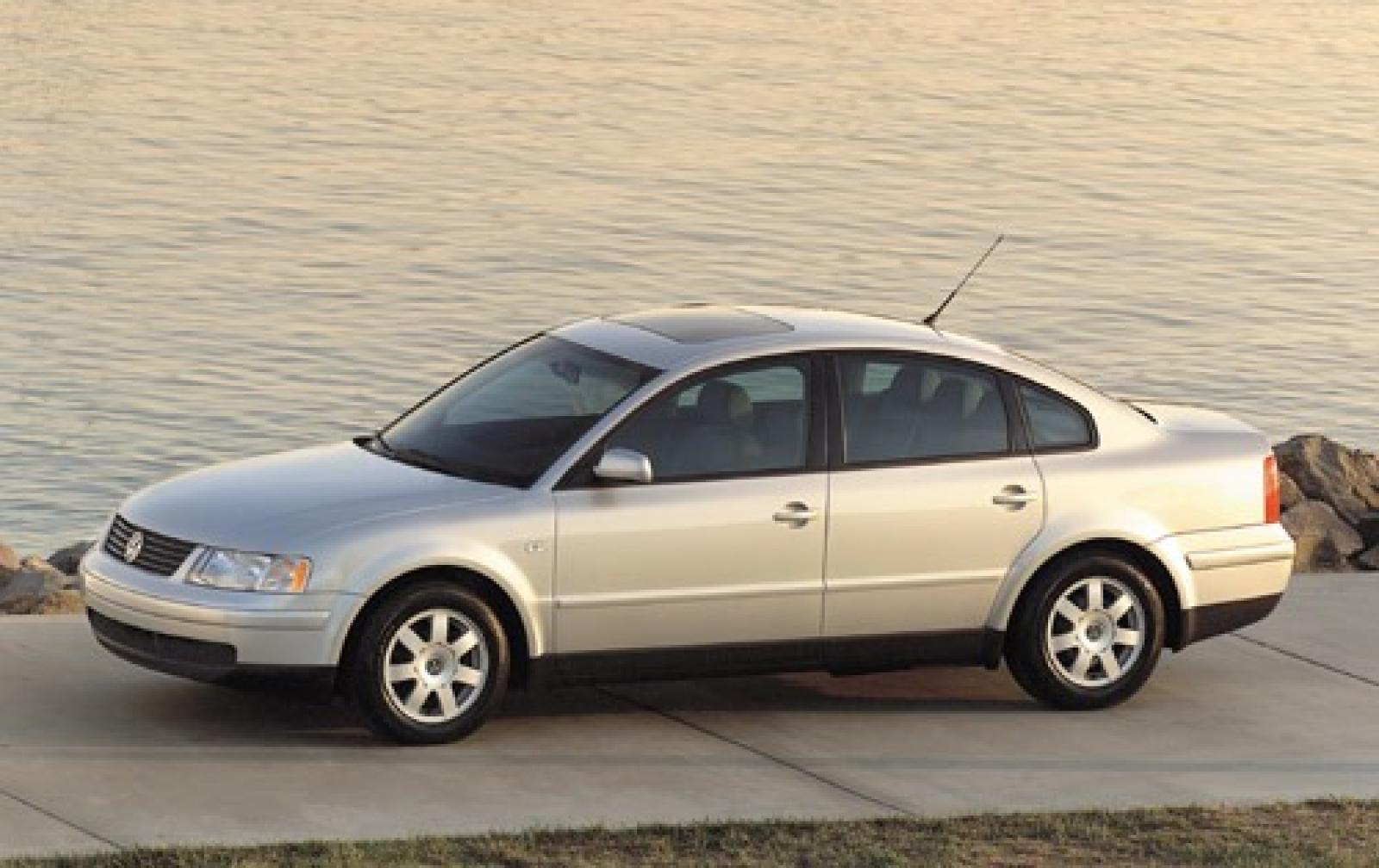VW vw passat 2001 : 2005 Volkswagen Passat - Information and photos - ZombieDrive
