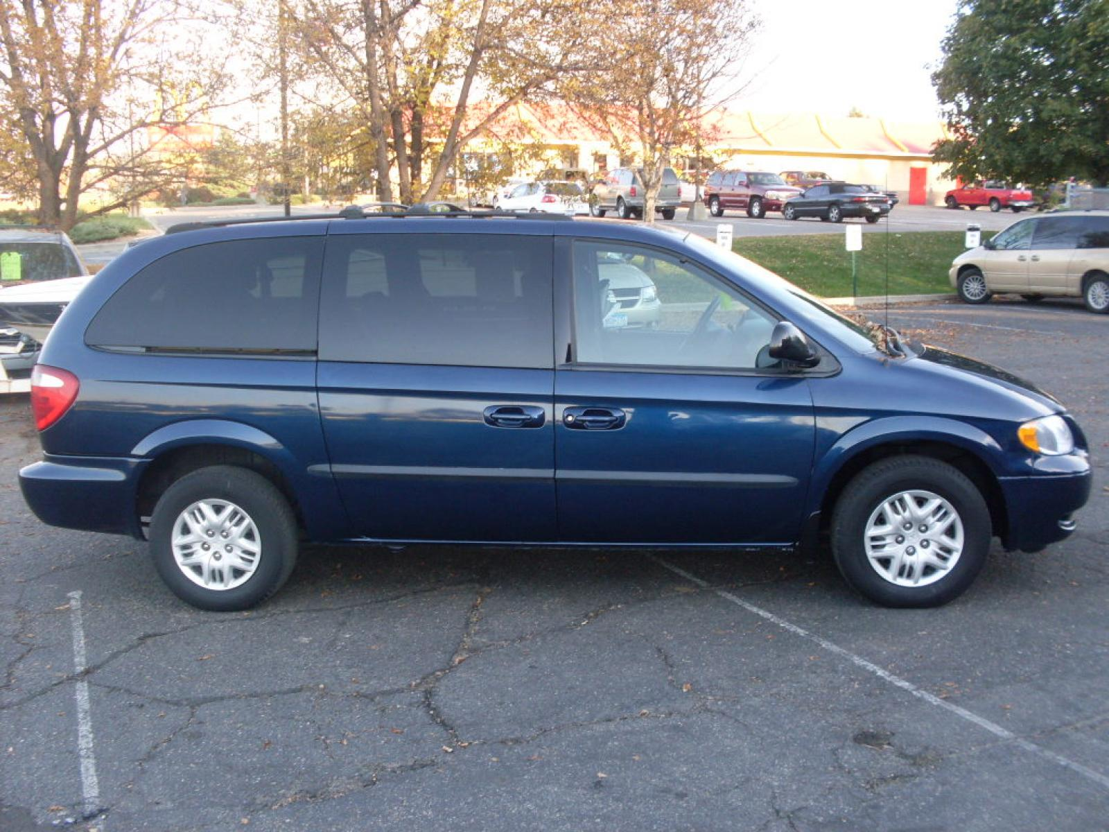 2002 Dodge Grand Caravan - Information and photos - ZombieDrive