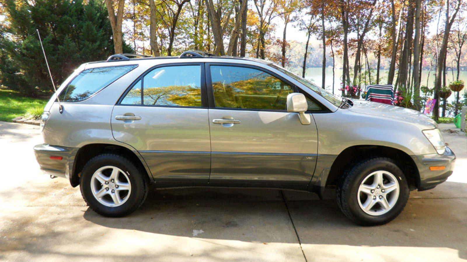 2002 Lexus RX 300 - Information and photos - ZombieDrive