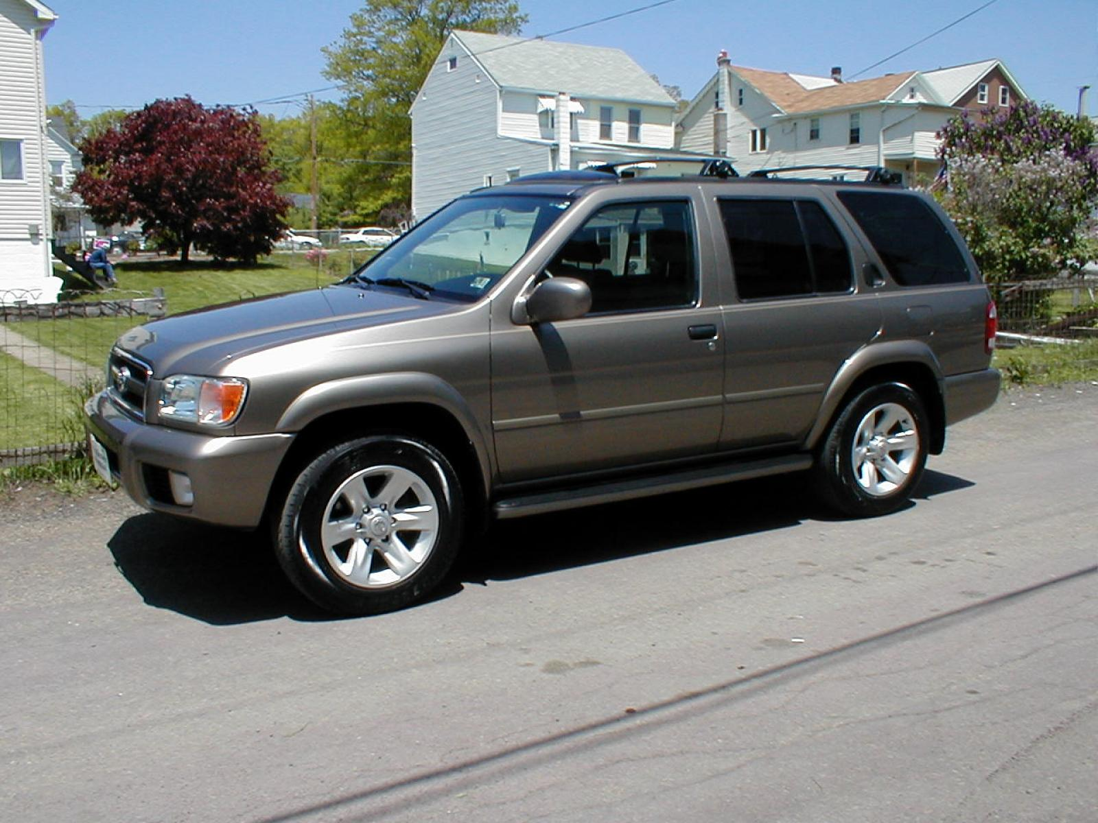 2002 pathfinder starter location