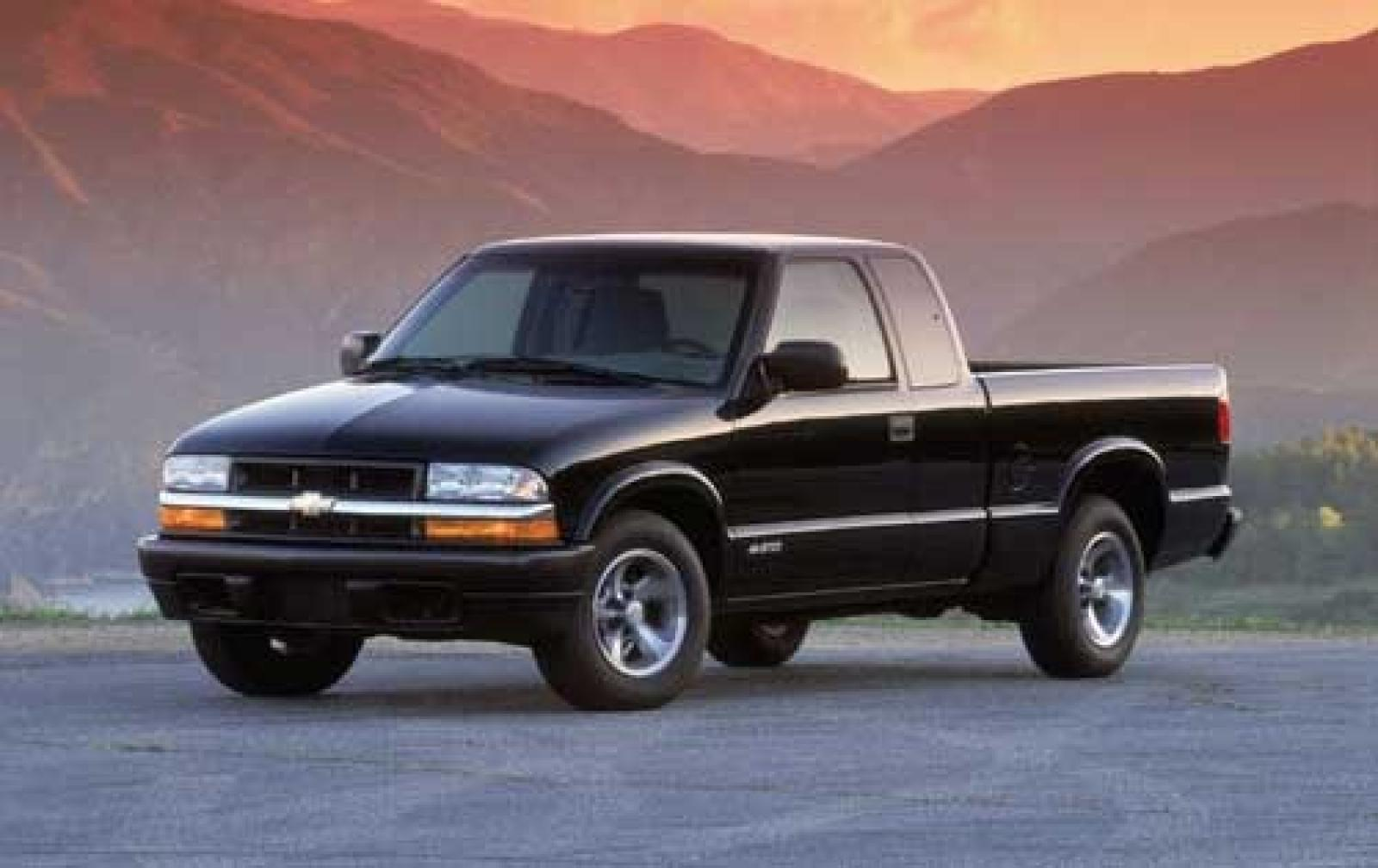 2004 chevrolet s 10 information and photos zombiedrive. Black Bedroom Furniture Sets. Home Design Ideas