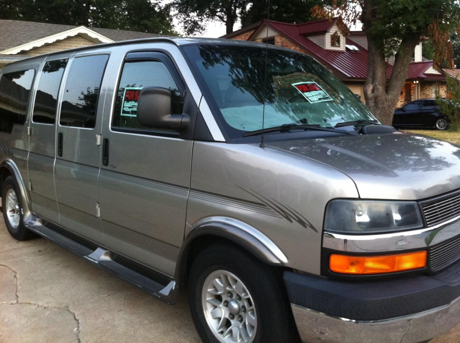 2003 Chevrolet Express Information And Photos Zomb Drive