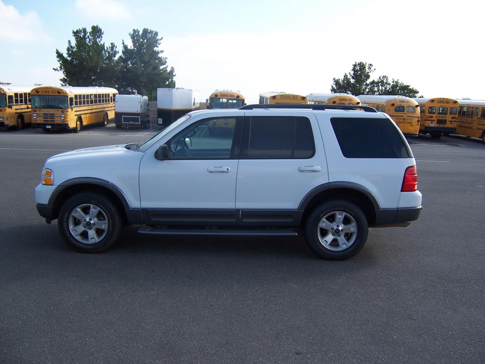 2003 ford explorer 8