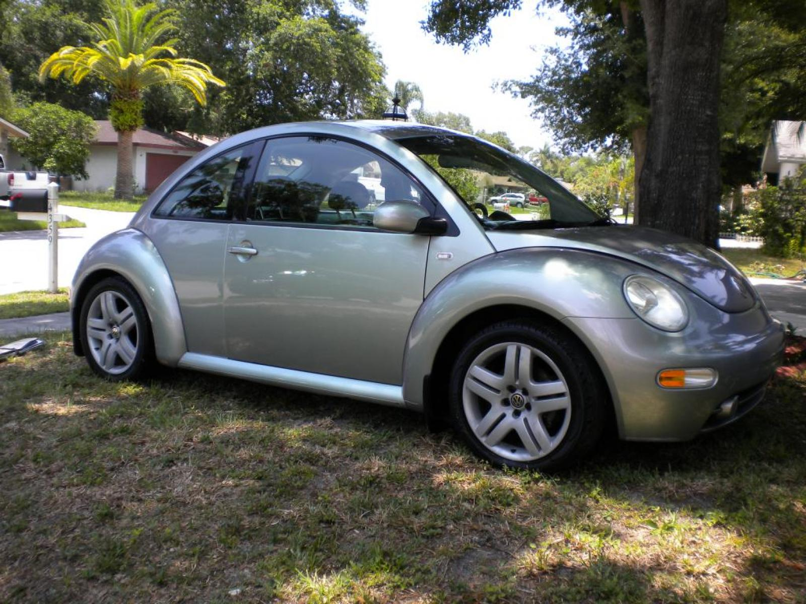 Volkswagen Convertible Beetle >> 2003 Volkswagen New Beetle - Information and photos - ZombieDrive