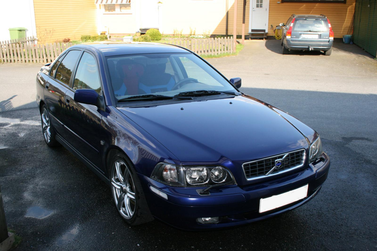 2003 Volvo S40 - Information and photos - ZombieDrive