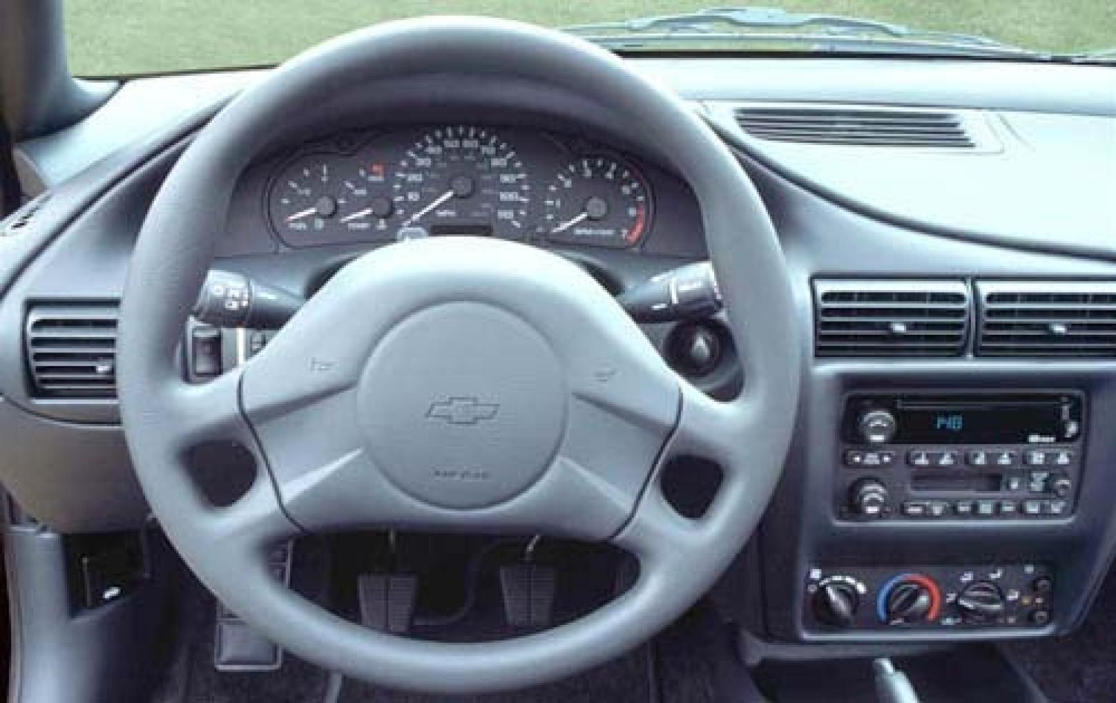 2005 chevrolet cavalier information and photos zombiedrive for 2003 chevy cavalier interior parts