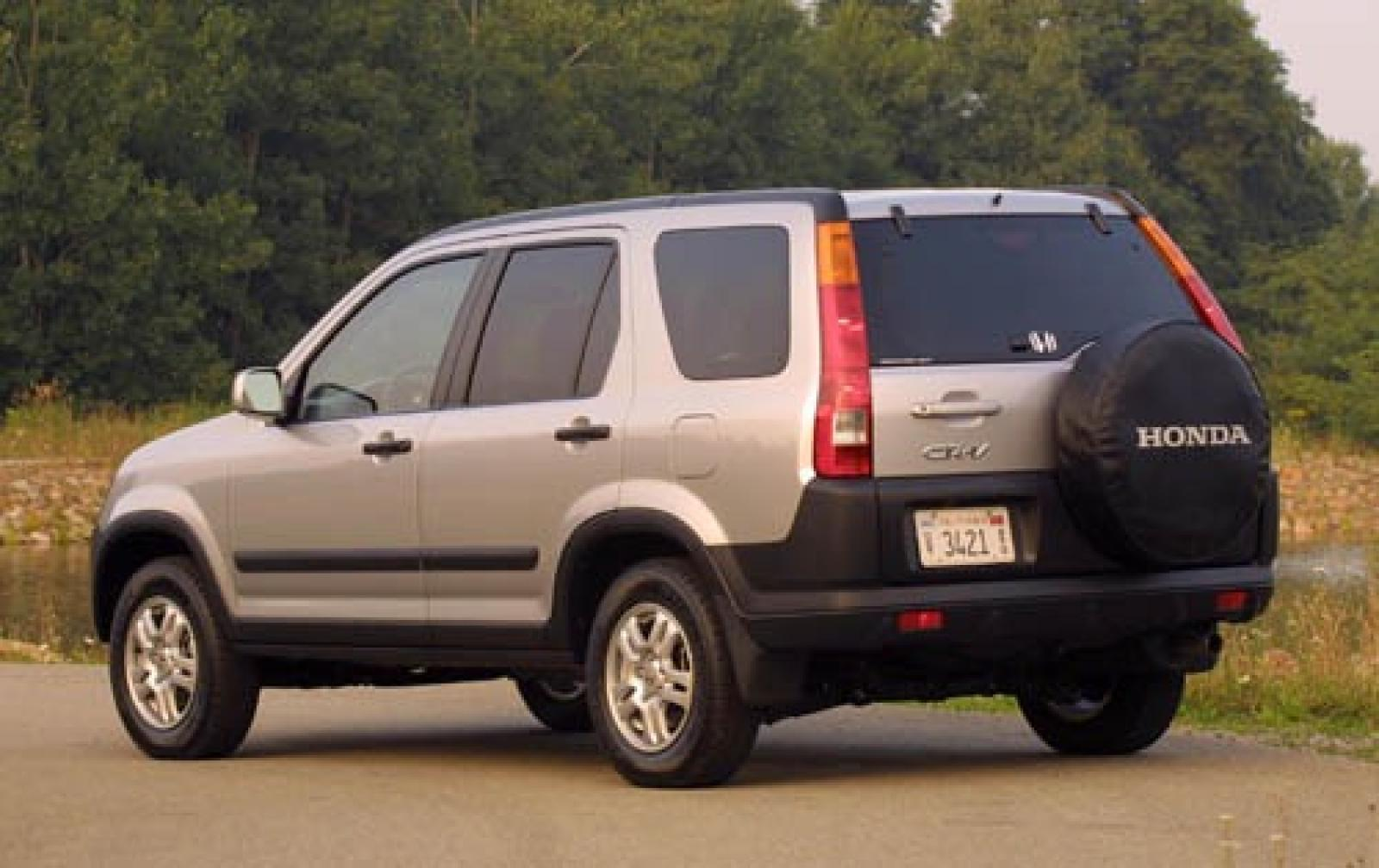 2004 honda cr v information and photos zombiedrive for Is a honda crv a suv