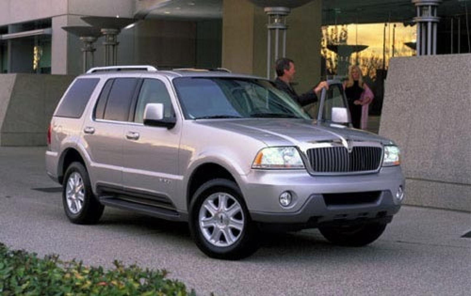 2005 lincoln aviator silver 200 interior and exterior. Black Bedroom Furniture Sets. Home Design Ideas