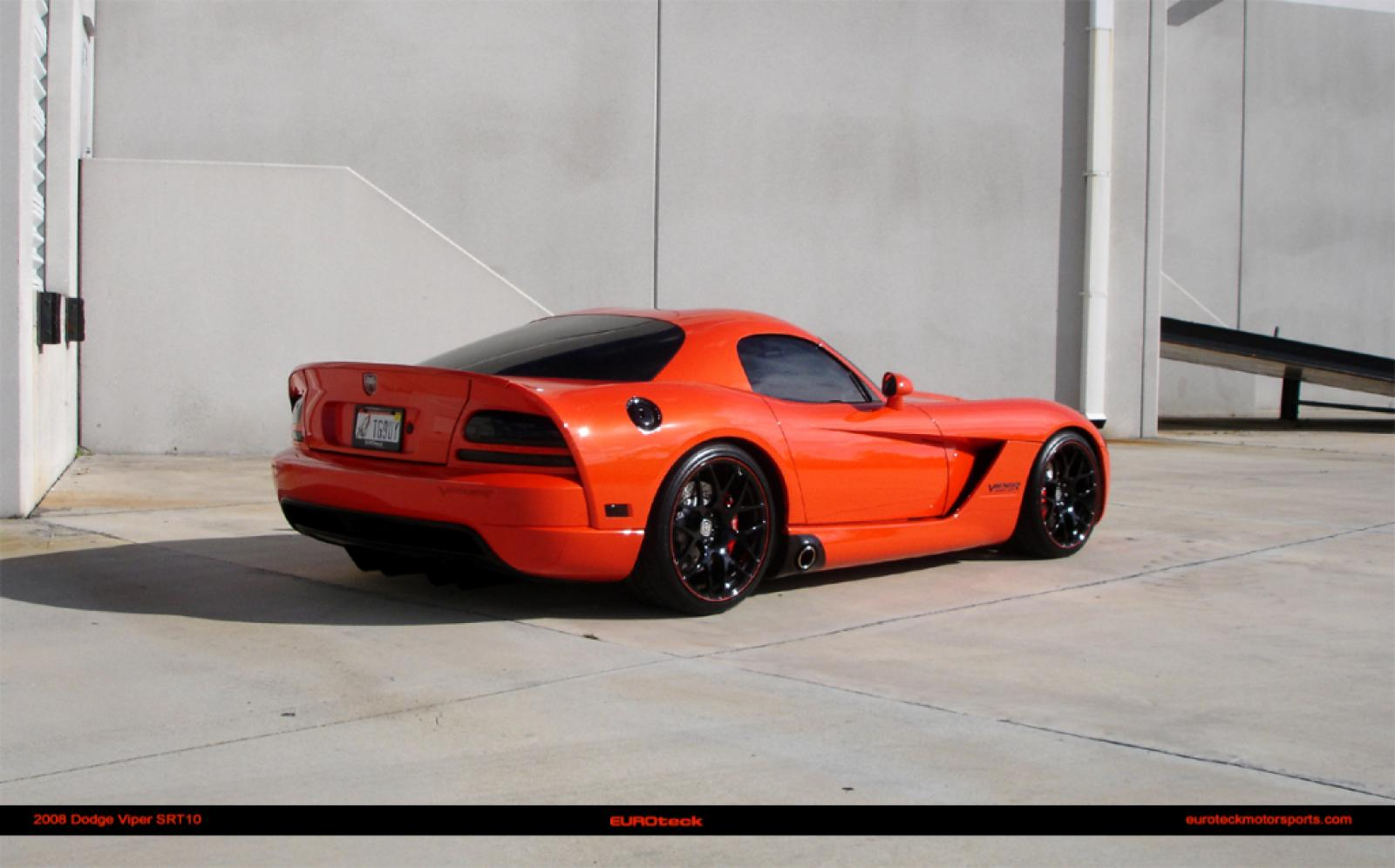 2004 dodge viper information and photos zombiedrive. Black Bedroom Furniture Sets. Home Design Ideas