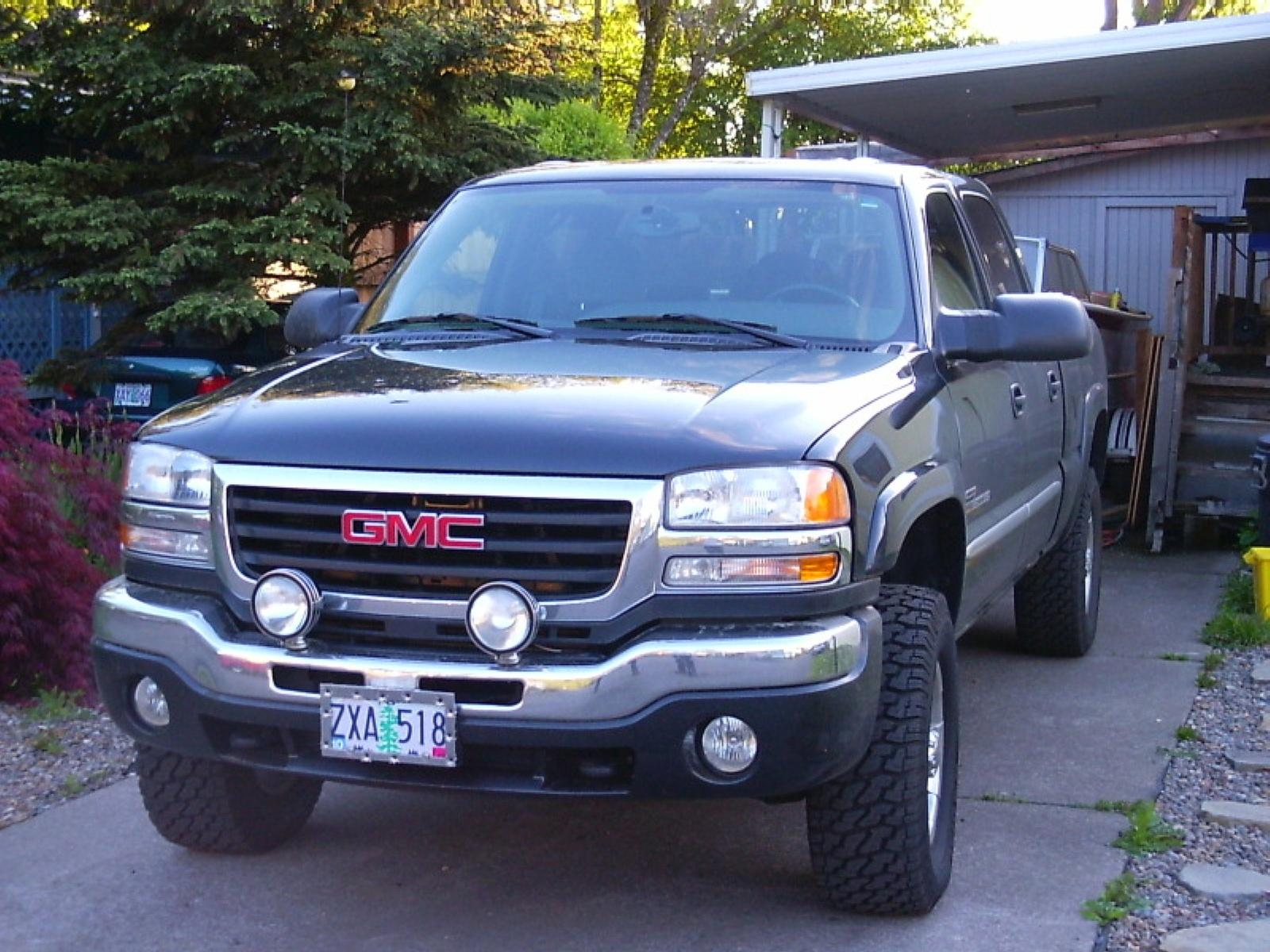 2004 gmc sierra 2500hd information and photos zombiedrive rh zombdrive com 2004 gmc sierra manual pdf 2004 gmc sierra manual pdf