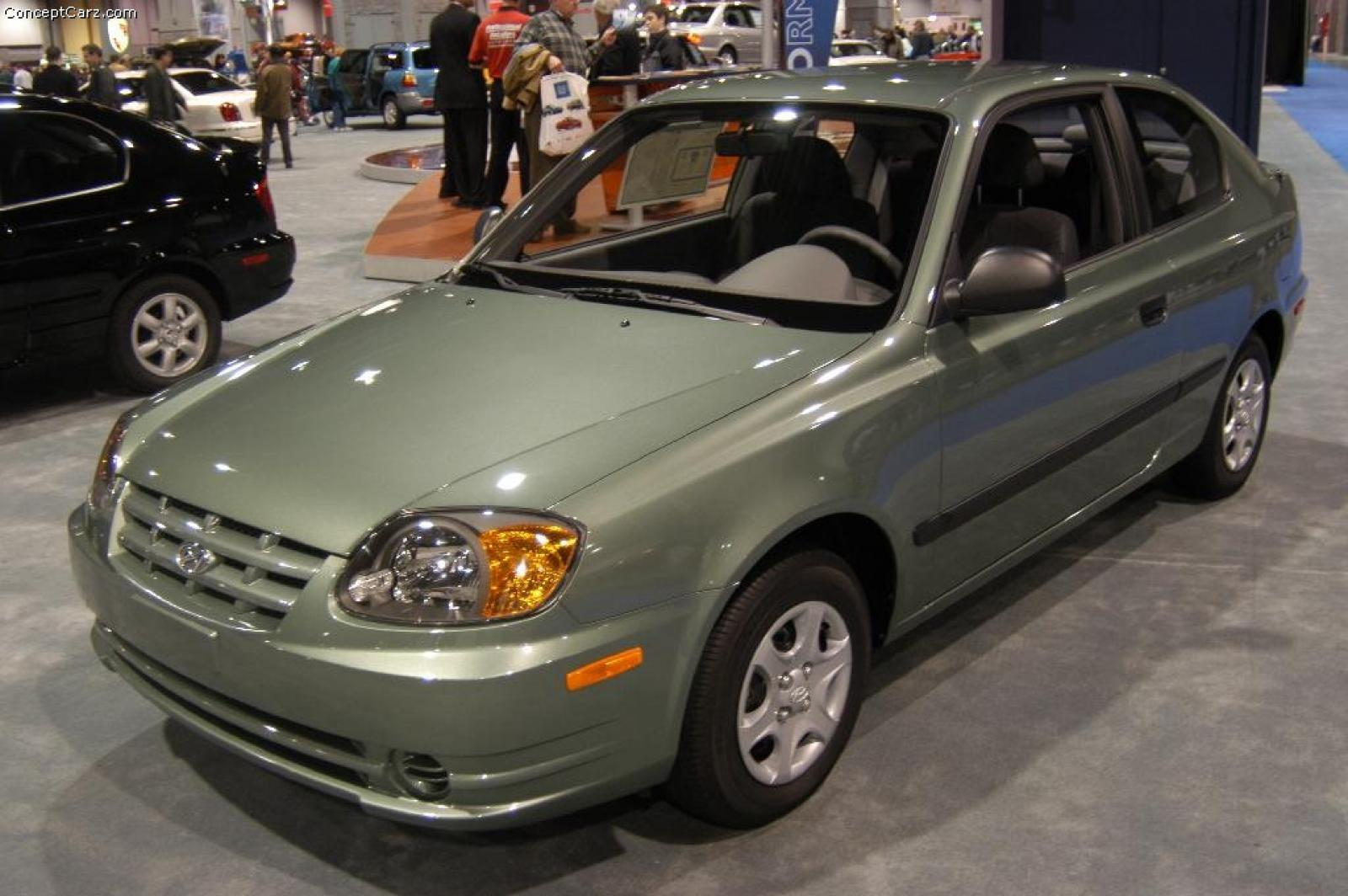 2004 hyundai accent information and photos zombiedrive. Black Bedroom Furniture Sets. Home Design Ideas
