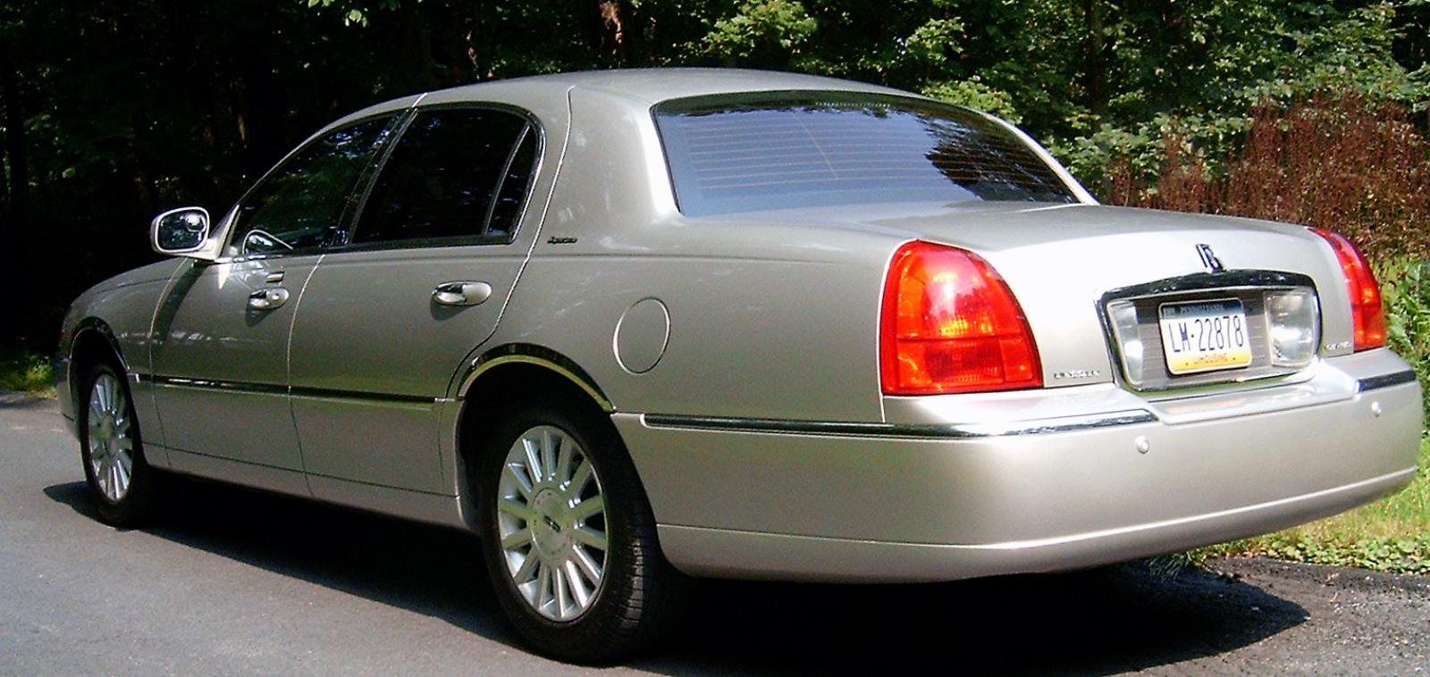 2004 Lincoln Town Car 1 800 1024 1280 1600 Origin