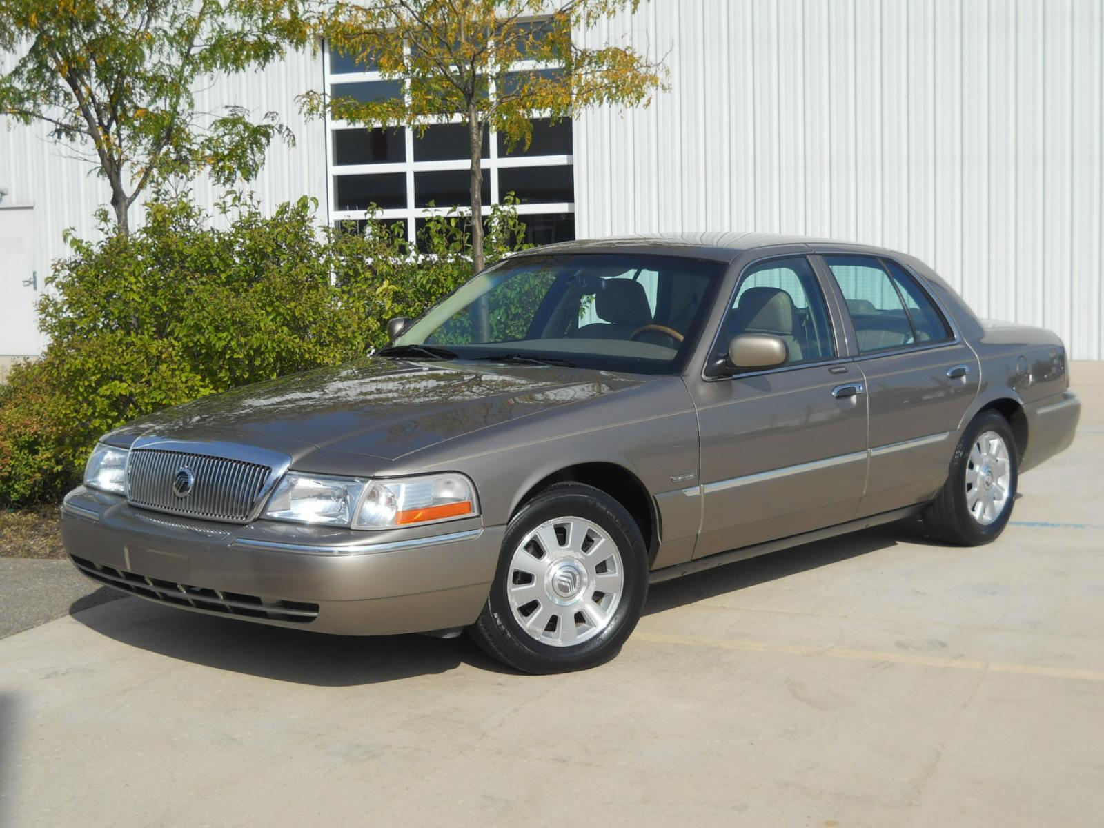 2004 Mercury Grand Marquis - Information And Photos