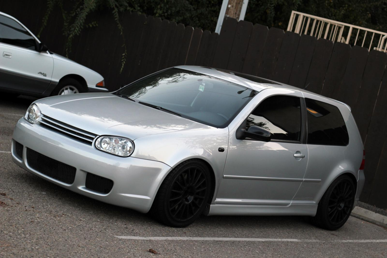 2004 volkswagen r32 information and photos zombiedrive. Black Bedroom Furniture Sets. Home Design Ideas
