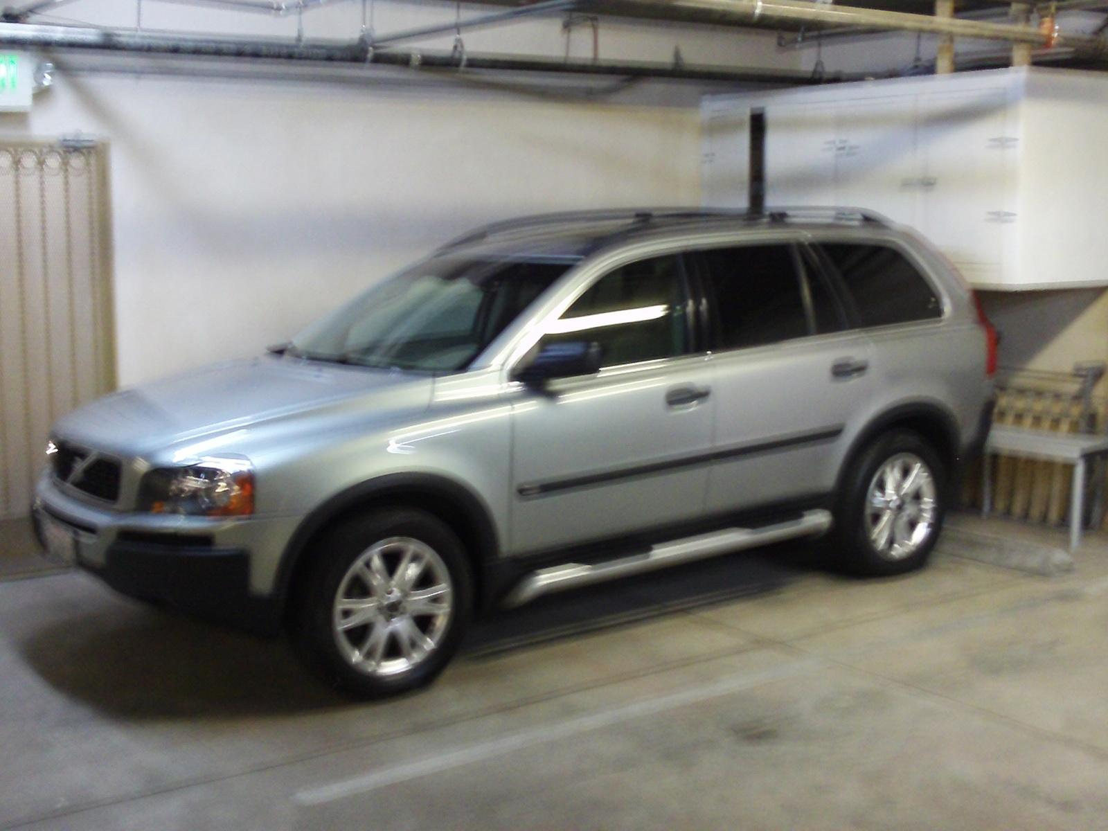 2004 Volvo XC90 - Information and photos - ZombieDrive