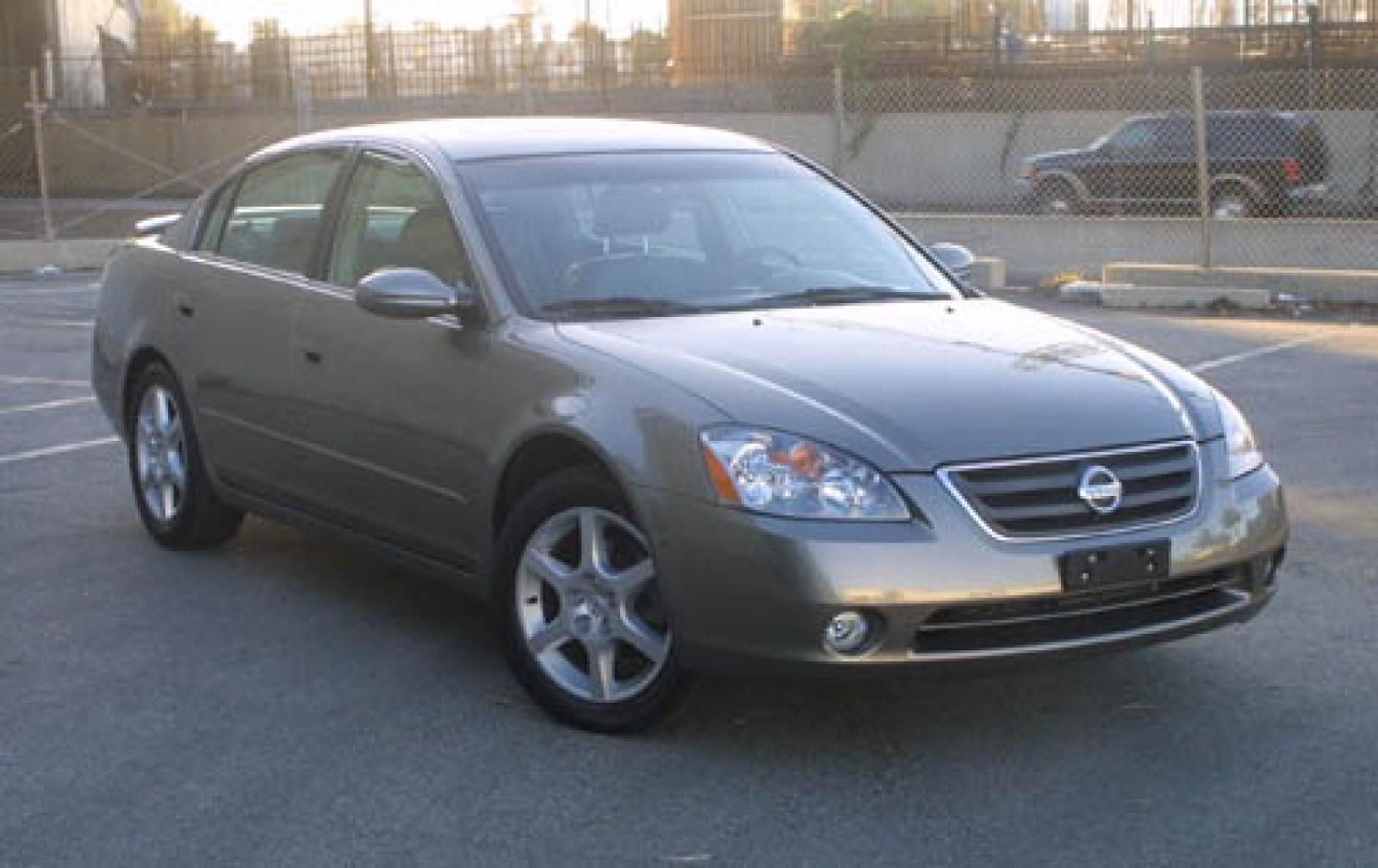 2004 Nissan Altima - Information And Photos