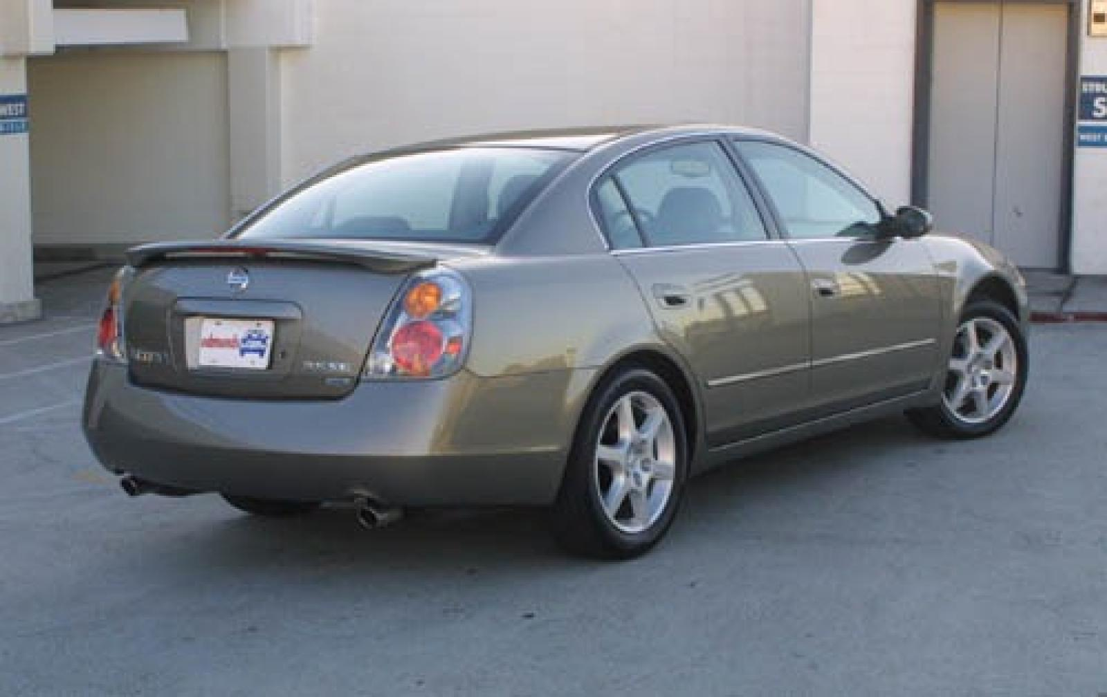 2004 Nissan Altima  Information and photos  ZombieDrive