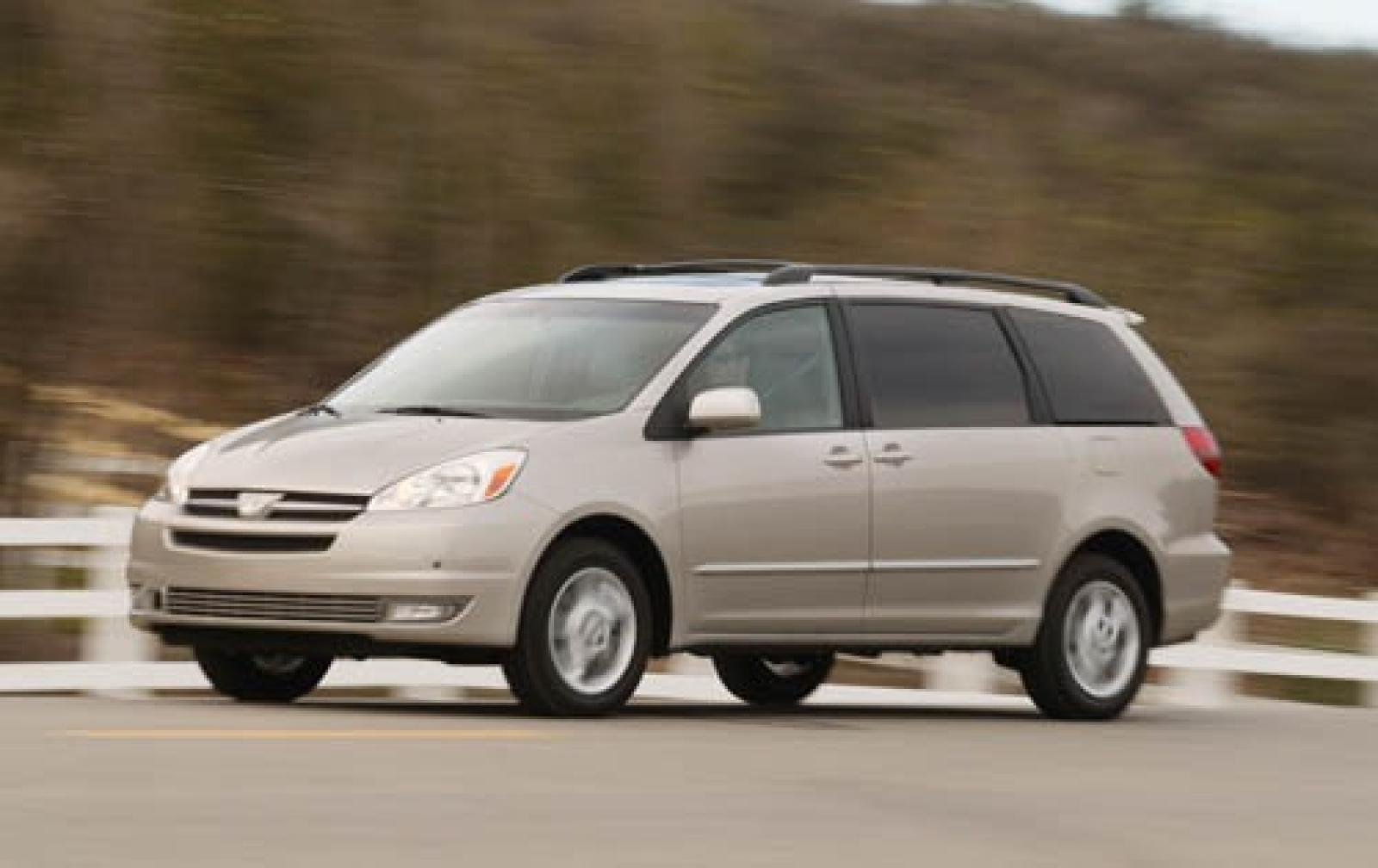 2005 Toyota Sienna  Information and photos  ZombieDrive