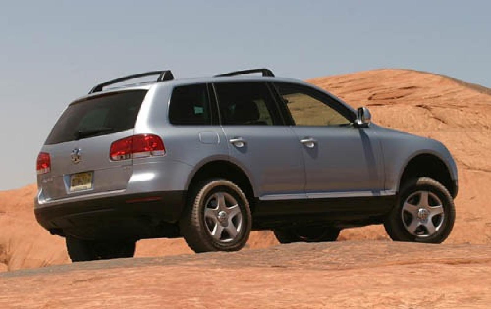 2005 volkswagen touareg information and photos zombiedrive. Black Bedroom Furniture Sets. Home Design Ideas