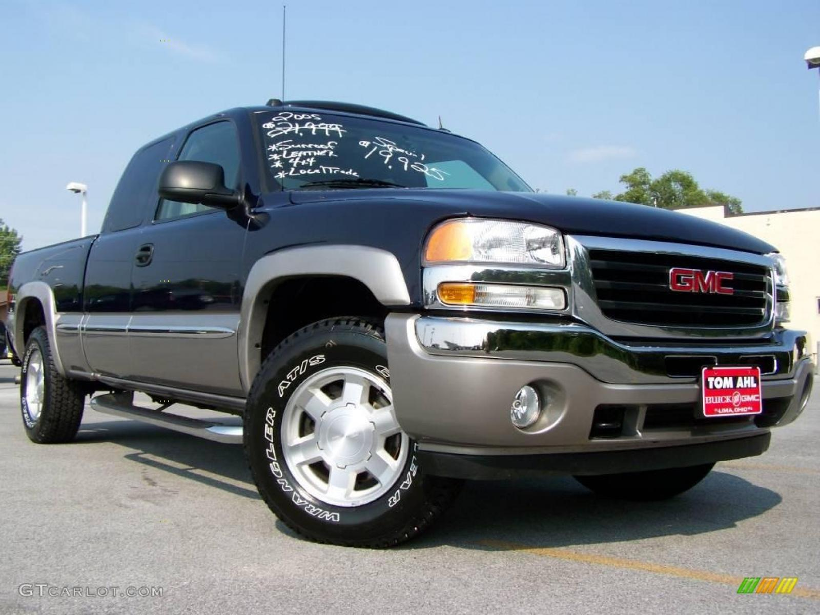 2005 gmc sierra 1500 information and photos zombiedrive. Black Bedroom Furniture Sets. Home Design Ideas