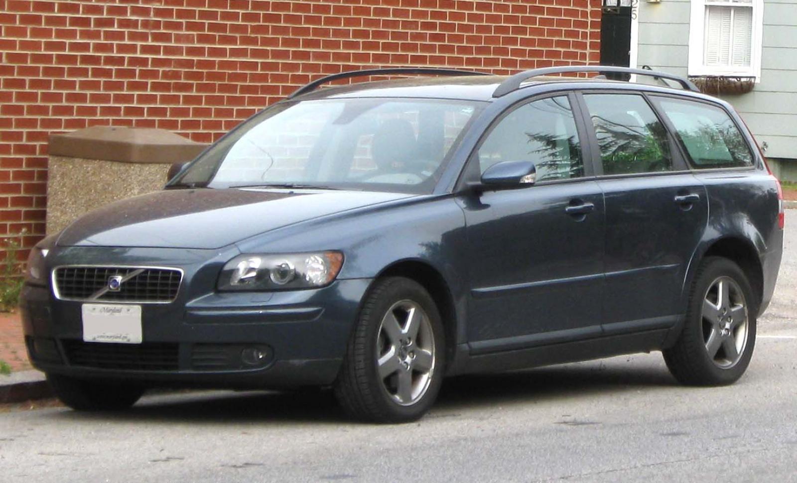 2005 Volvo V50 - Information and photos - ZombieDrive