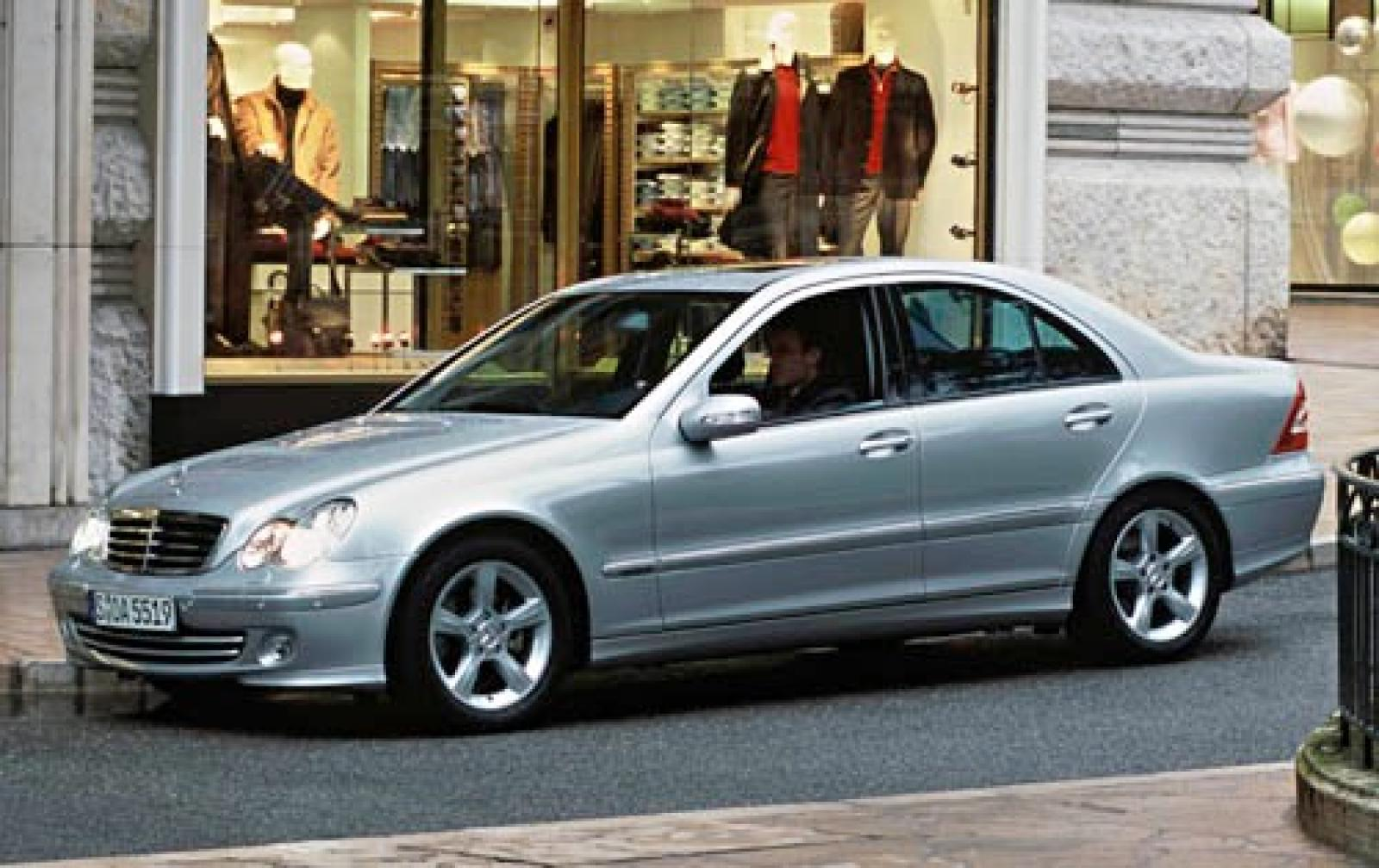 2005 mercedes benz c class information and photos zombiedrive. Black Bedroom Furniture Sets. Home Design Ideas