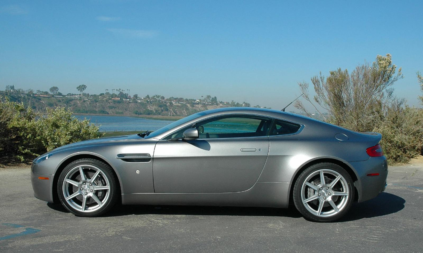 2006 aston martin v8 vantage information and photos zombiedrive. Black Bedroom Furniture Sets. Home Design Ideas