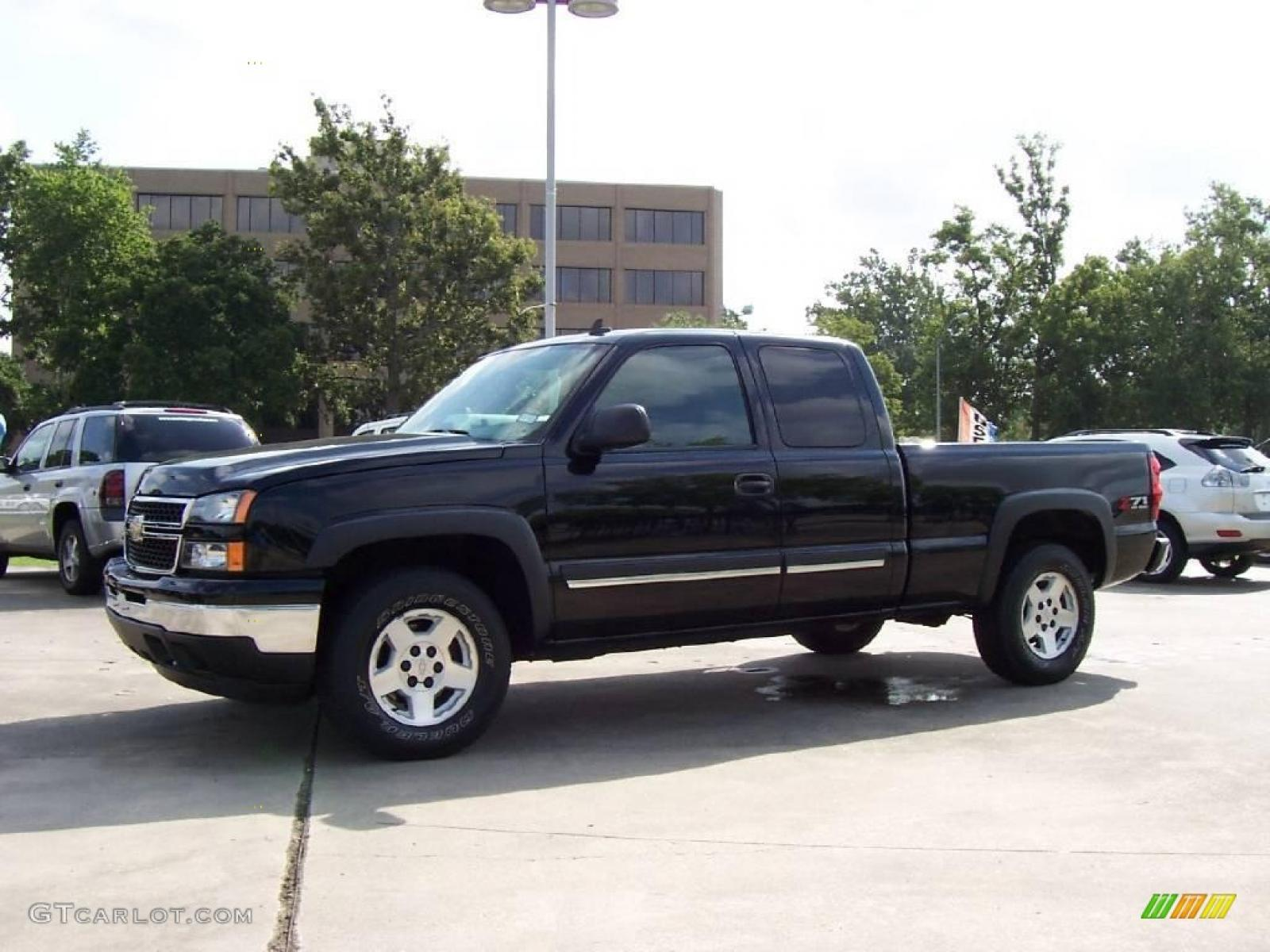 2006 chevrolet silverado 1500 information and photos zombiedrive. Cars Review. Best American Auto & Cars Review