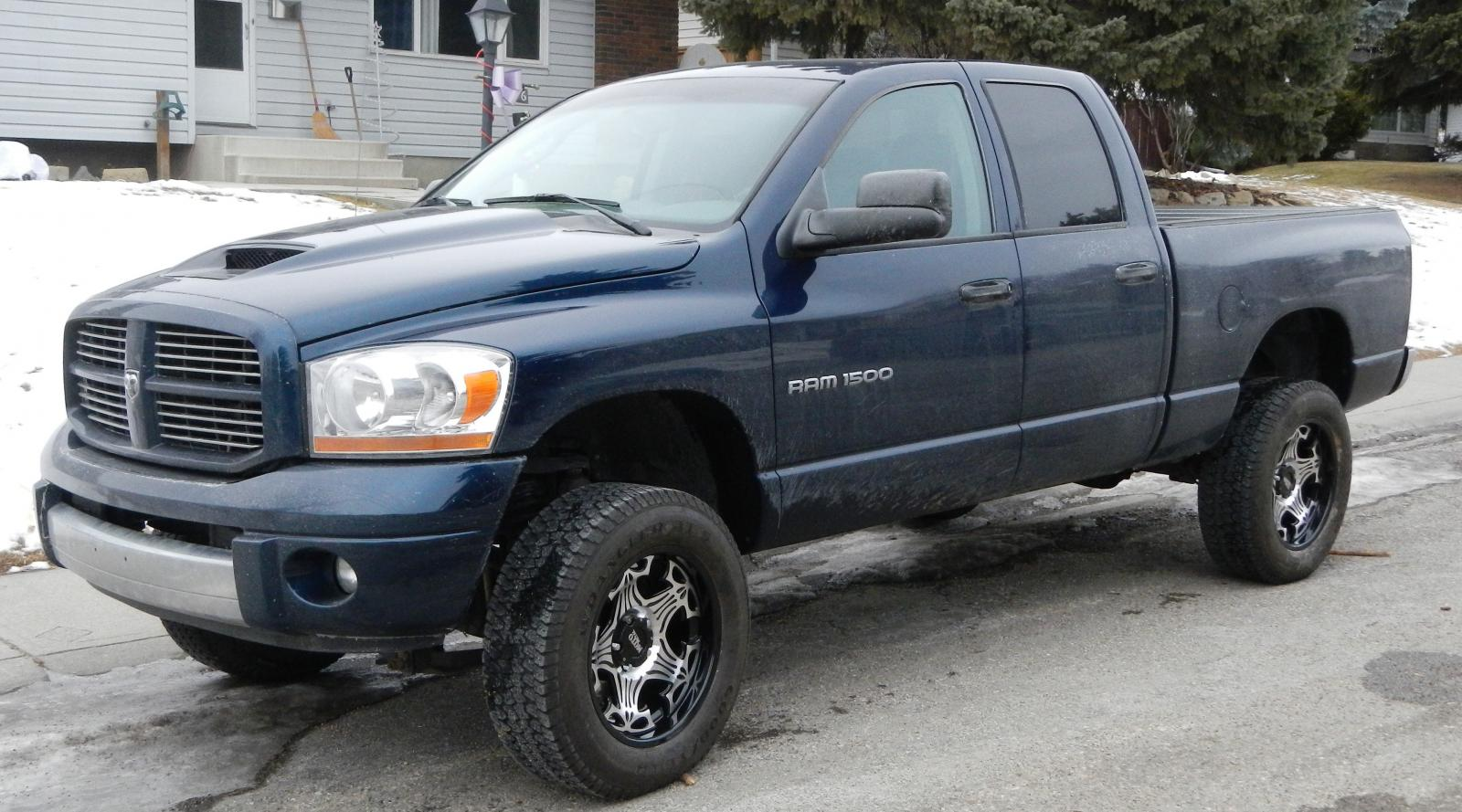 2006 dodge ram pickup 1500 information and photos. Black Bedroom Furniture Sets. Home Design Ideas