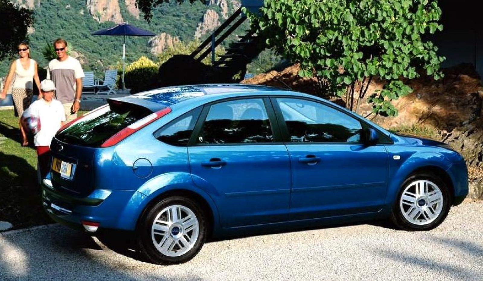 2006 ford focus information and photos zombiedrive. Black Bedroom Furniture Sets. Home Design Ideas