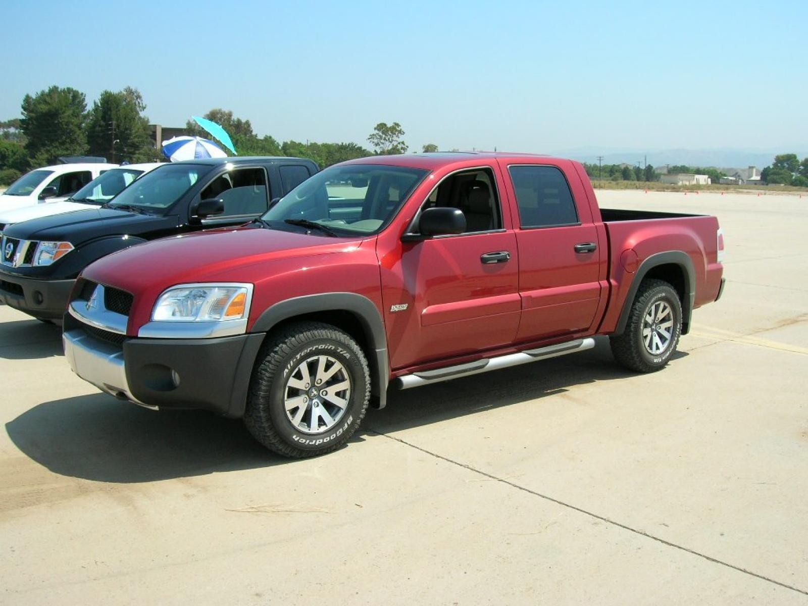 2006 mitsubishi raider information and photos zombiedrive. Black Bedroom Furniture Sets. Home Design Ideas