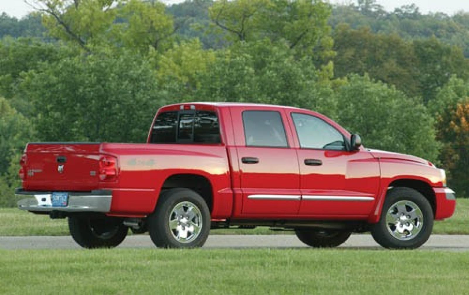 2006 dodge dakota information and photos zombiedrive. Black Bedroom Furniture Sets. Home Design Ideas