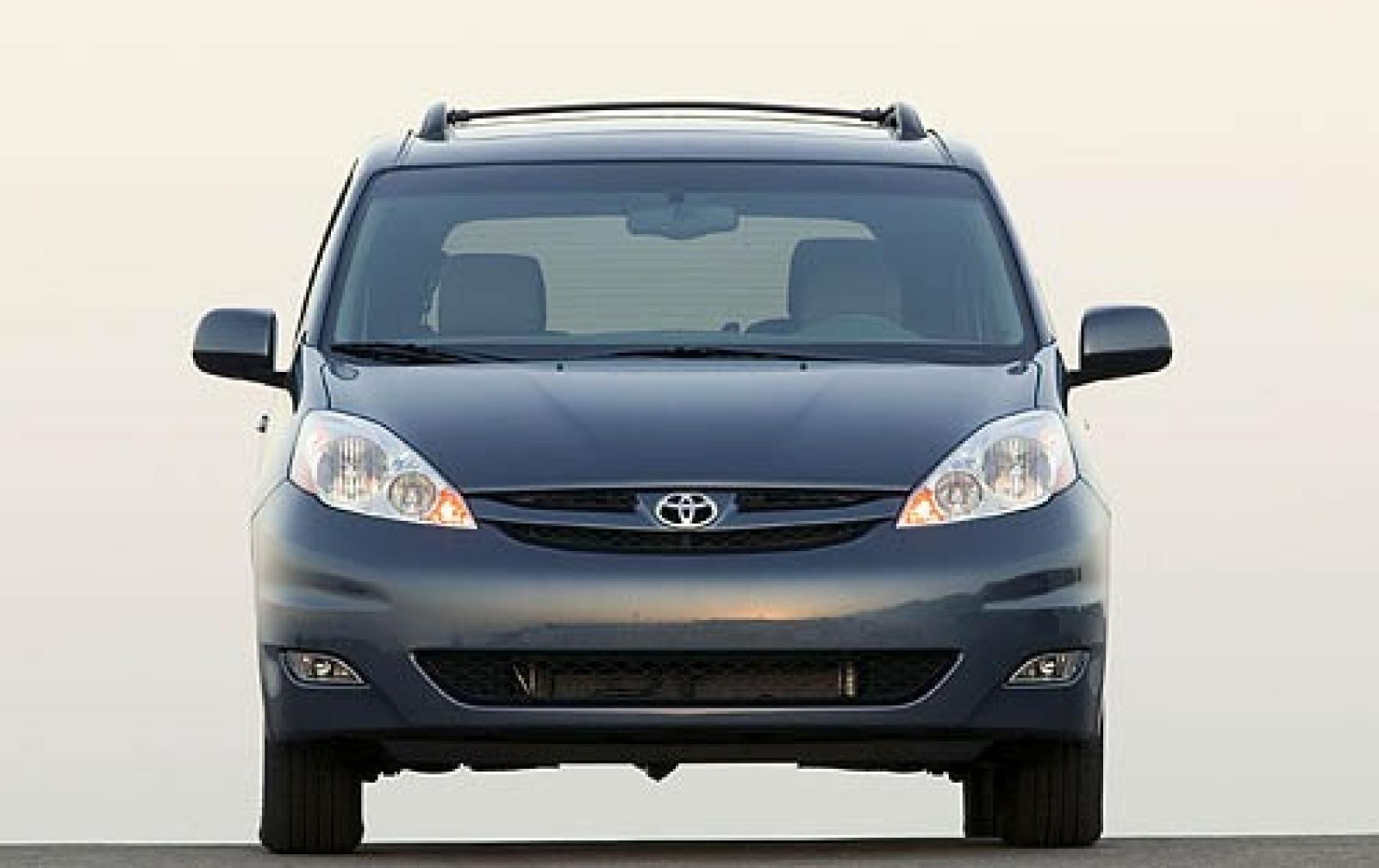 2006 toyota sienna information and photos zombiedrive. Black Bedroom Furniture Sets. Home Design Ideas