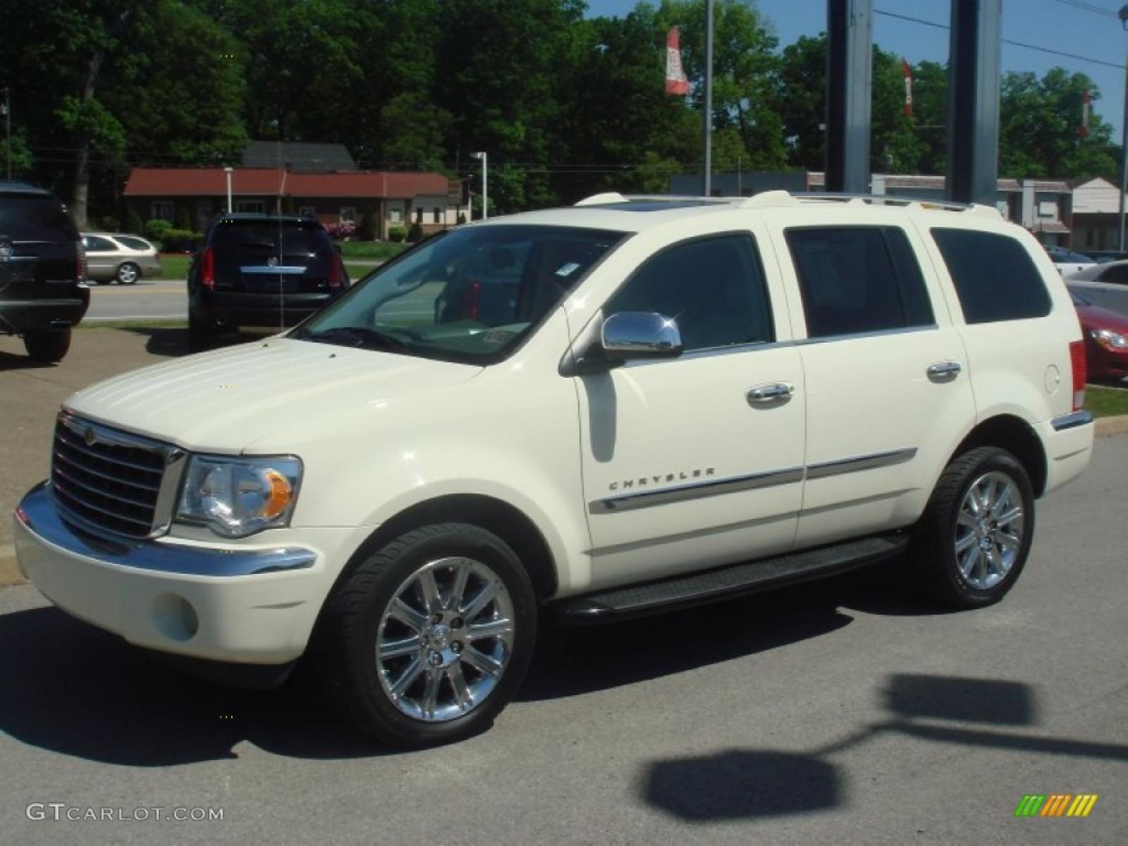 2007 Chrysler Aspen - Information and photos - ZombieDrive