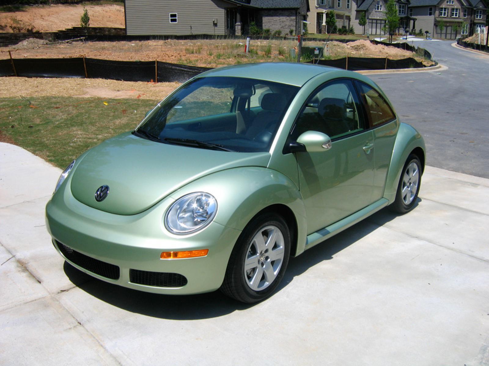 2007 Volkswagen New Beetle - Information and photos - ZombieDrive