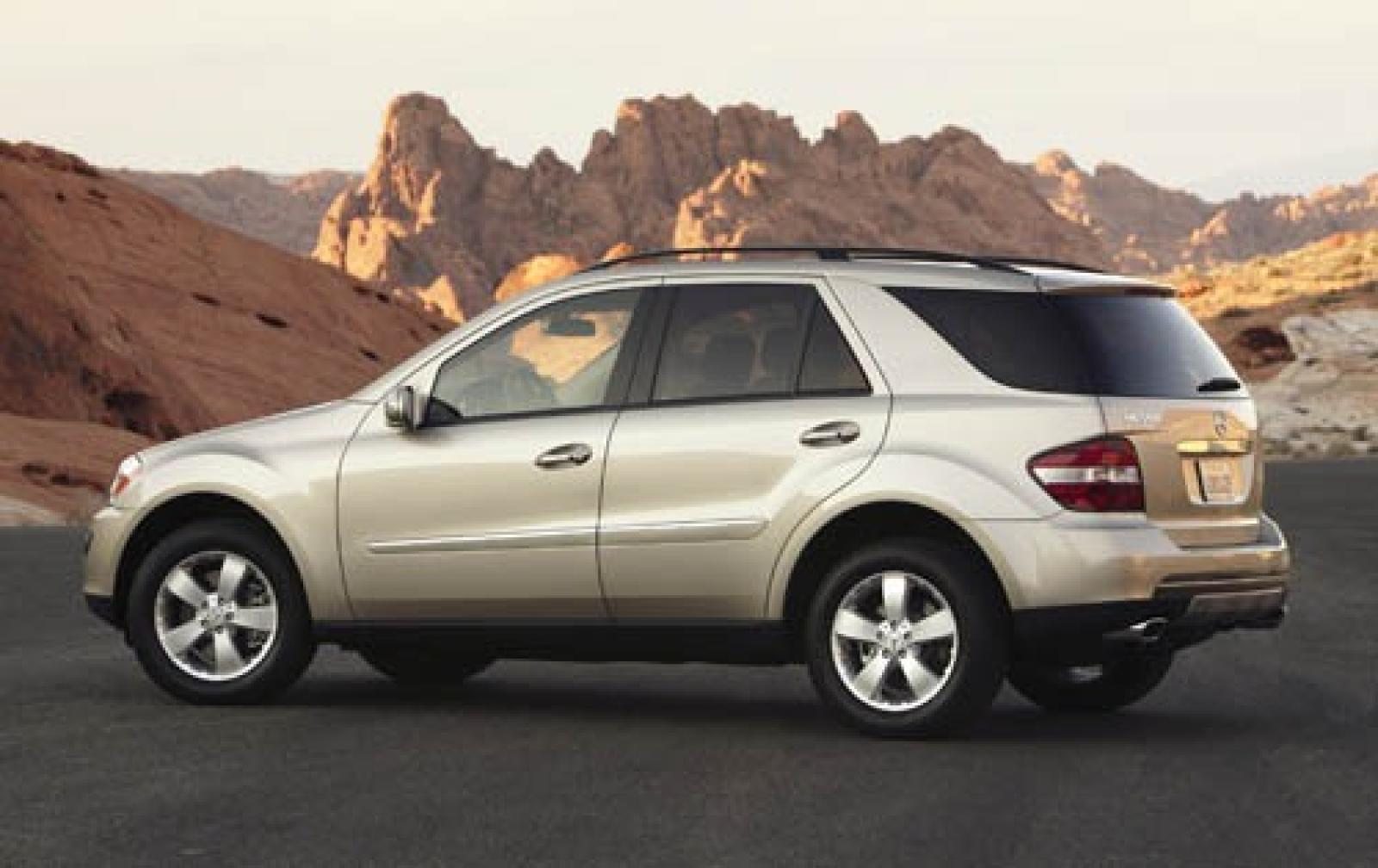 2007 mercedes benz m class information and photos for Mercedes benz 2007 models